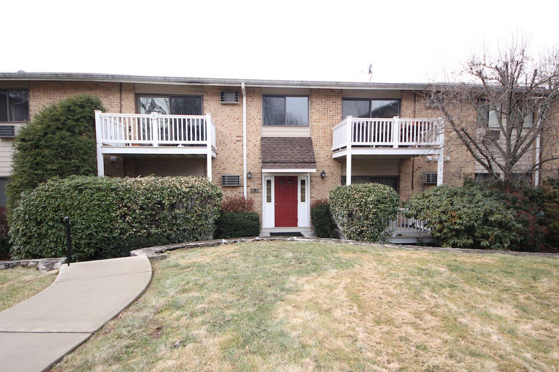 شقة بعمارة للـ Sale في Glenview Terrace 180 Glenbrook Road 28, Stamford, Connecticut, 06902 United States