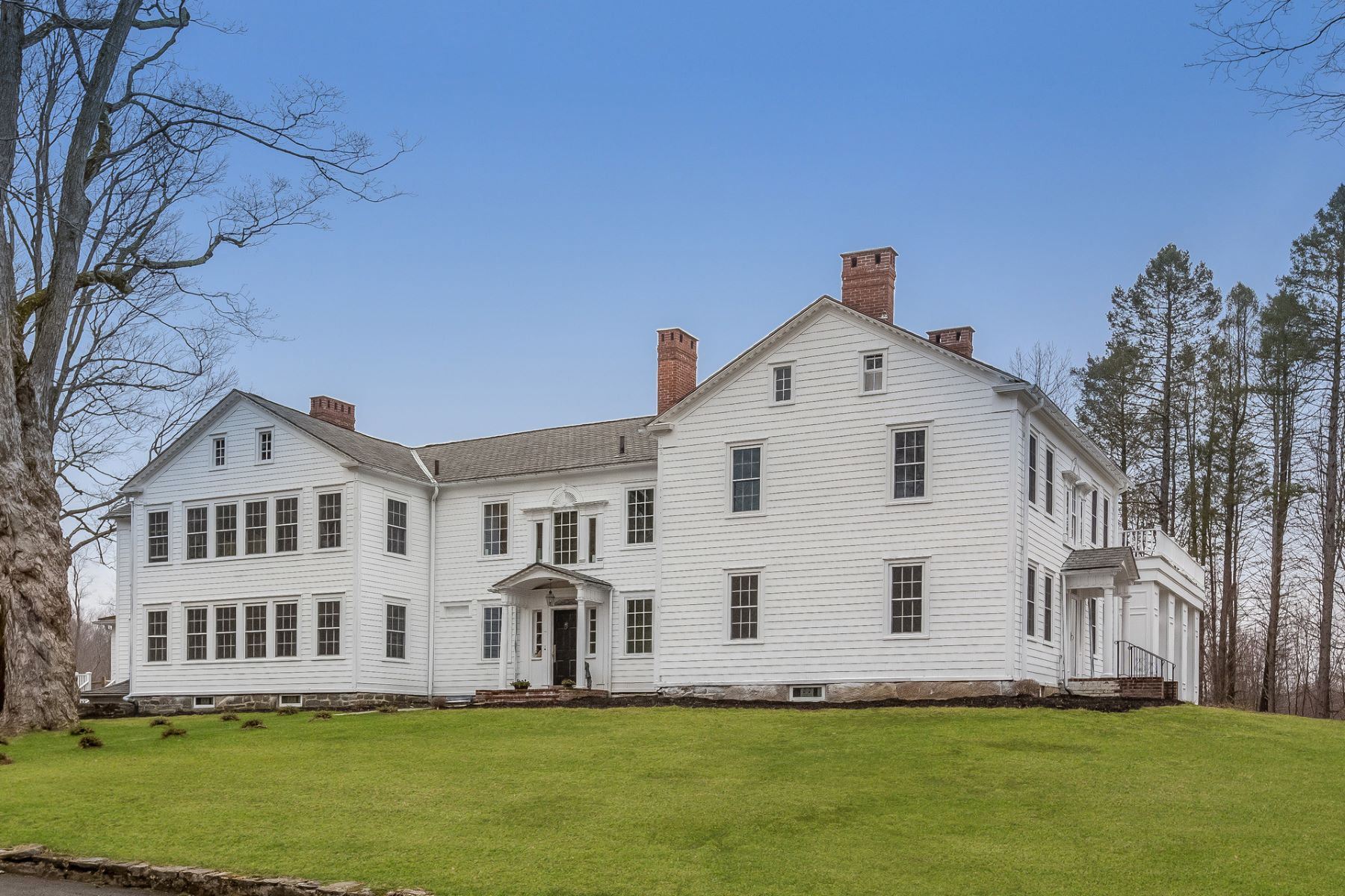 Single Family Homes للـ Sale في Private Country Estate 2 Chapel Hill Rd, Sherman, Connecticut 06784 United States
