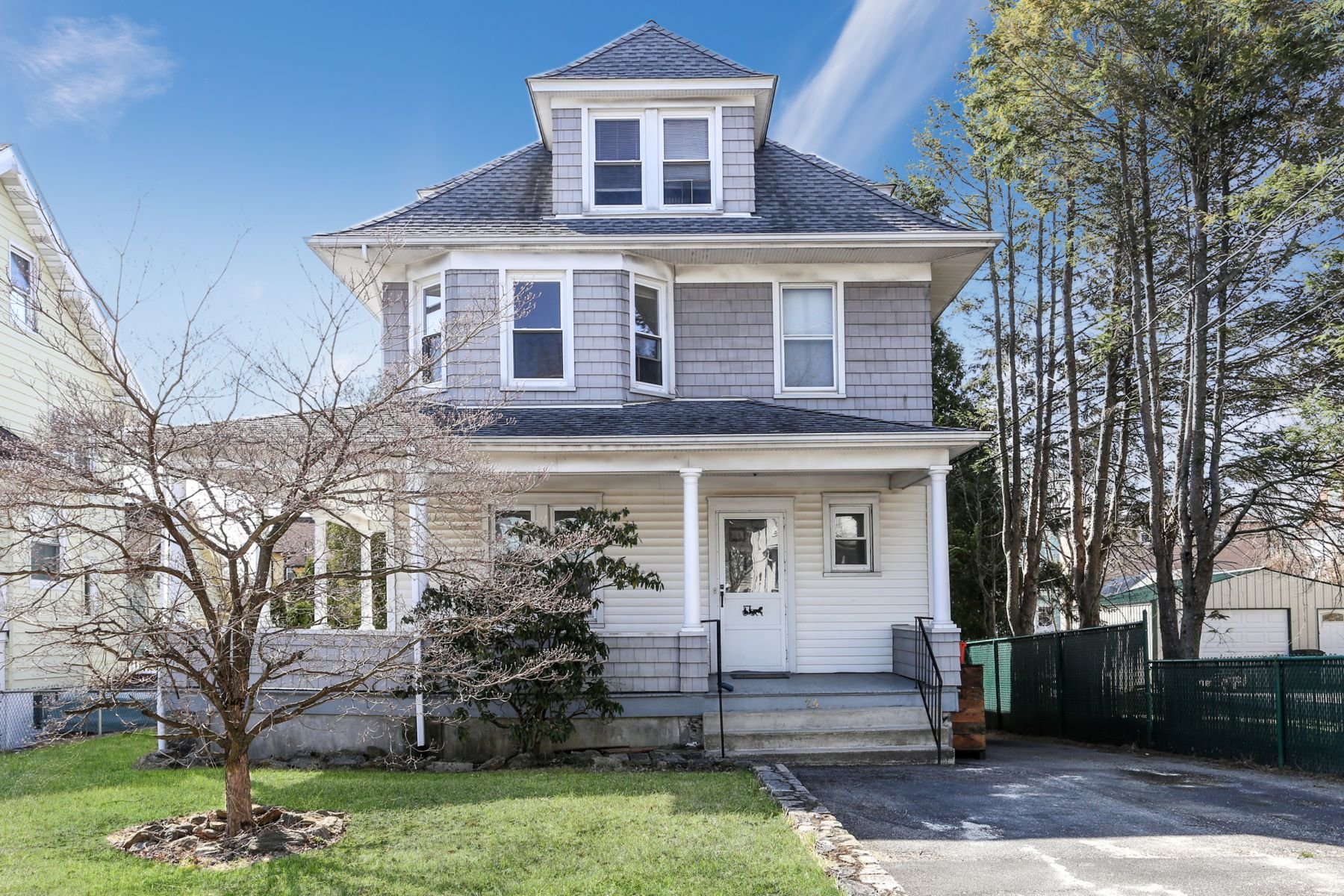 Single Family Homes für Verkauf beim Port Chester, New York 10573 Vereinigte Staaten