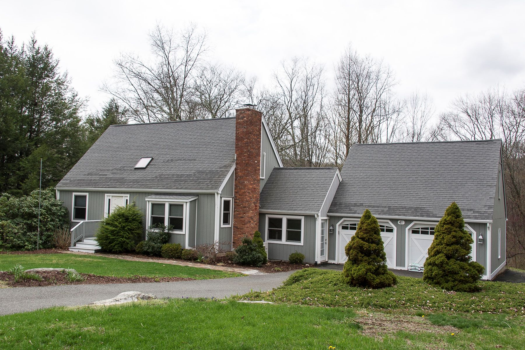 Maison unifamiliale pour l Vente à Private Merryall Contemporary 41 Meetinghouse Terrace New Milford, Connecticut 06776 États-Unis
