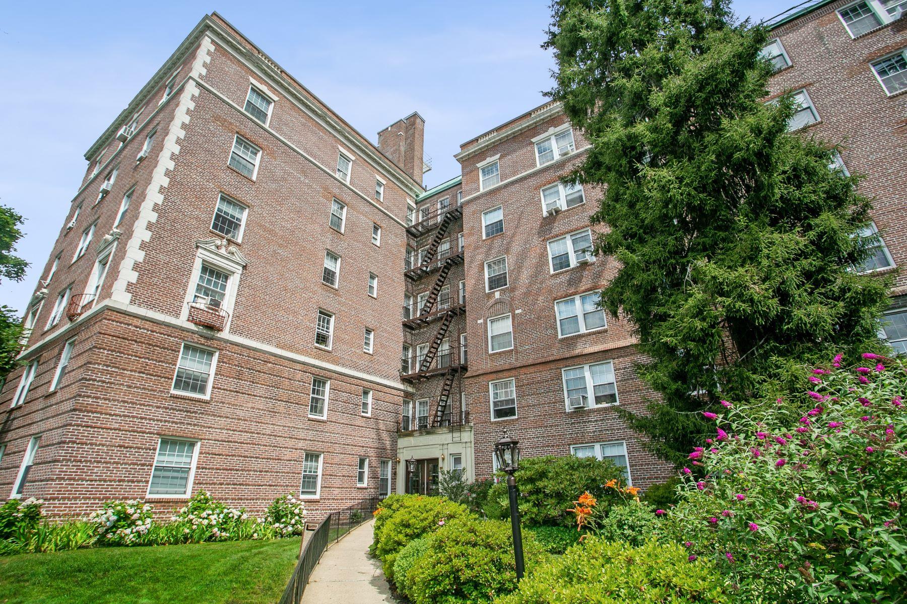 Co-op Properties 為 出售 在 300 S Broadway, 4-D, Tarrytown, 纽约 10591 美國