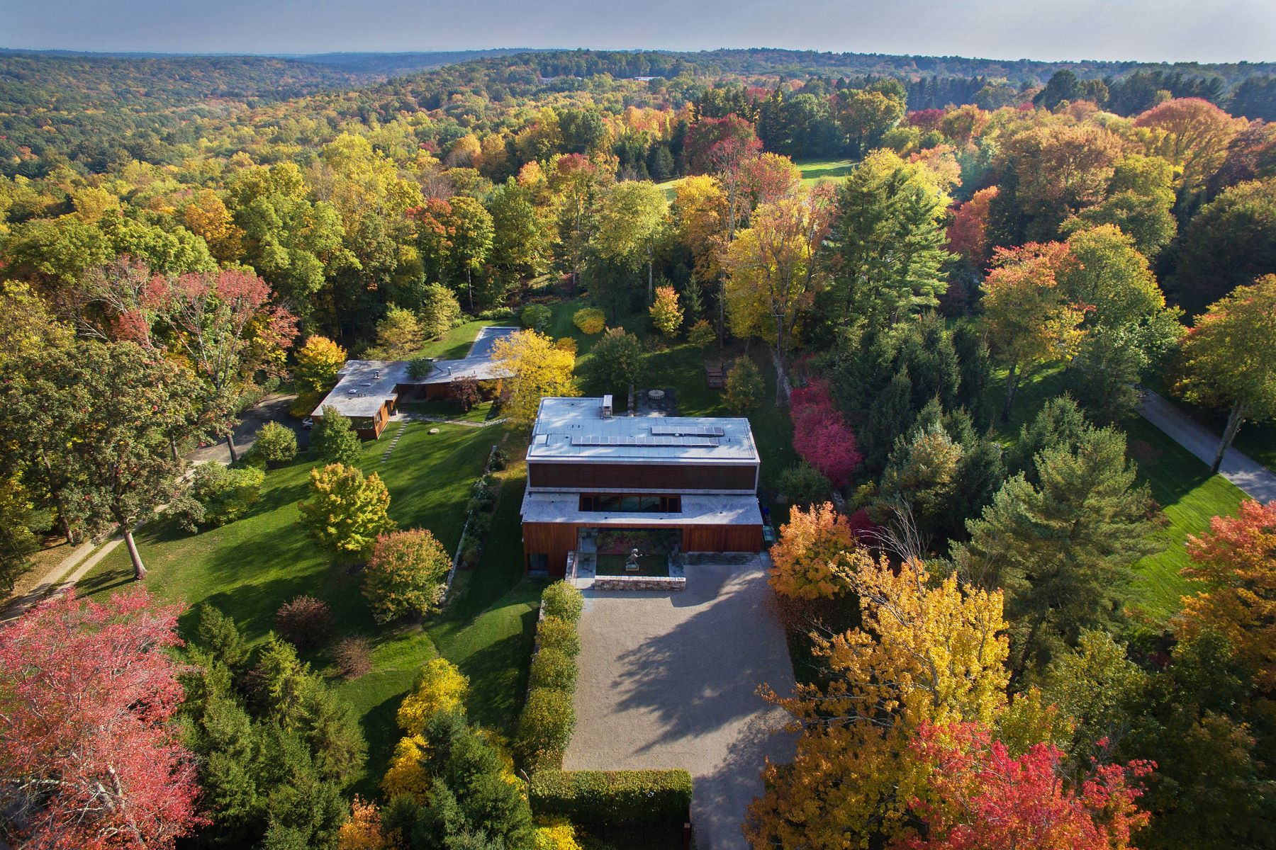 Single Family Home for Sale at 81 Cross Ridge Road 81 Cross Ridge Road New Canaan, Connecticut 06840 United States