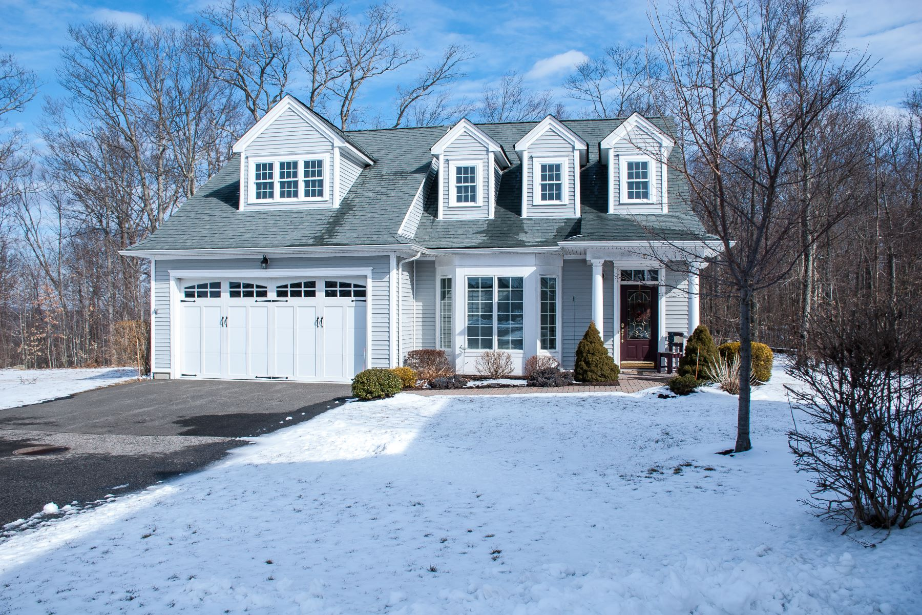 Single Family Homes for Sale at Cambridge Model 37 Chatfield Drive 37, Beacon Falls, Connecticut 06403 United States