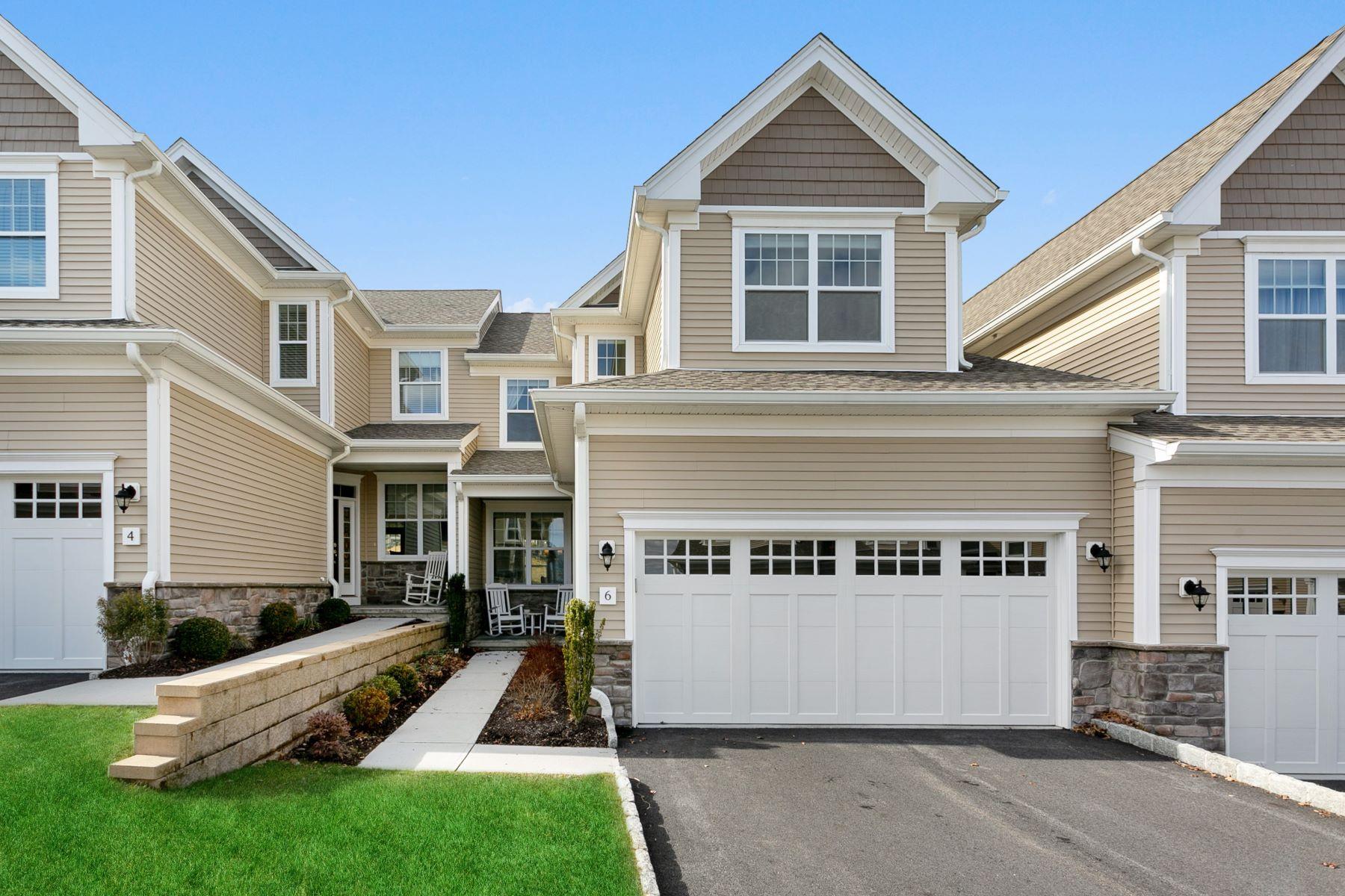 townhouses para Venda às Stunning Portman Model 6 Winding Ridge Way 6, Danbury, Connecticut 06810 Estados Unidos