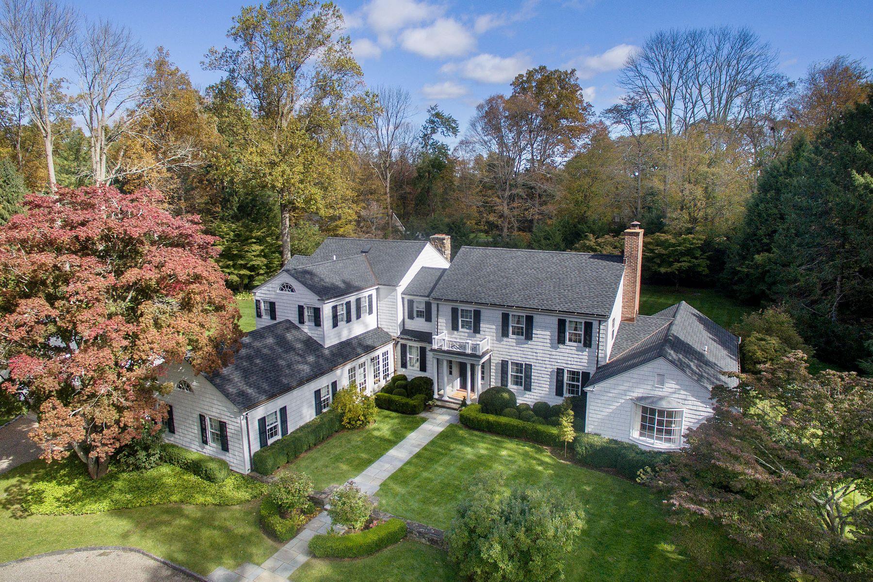 Single Family Homes para Venda às New Canaan, Connecticut 06840 Estados Unidos