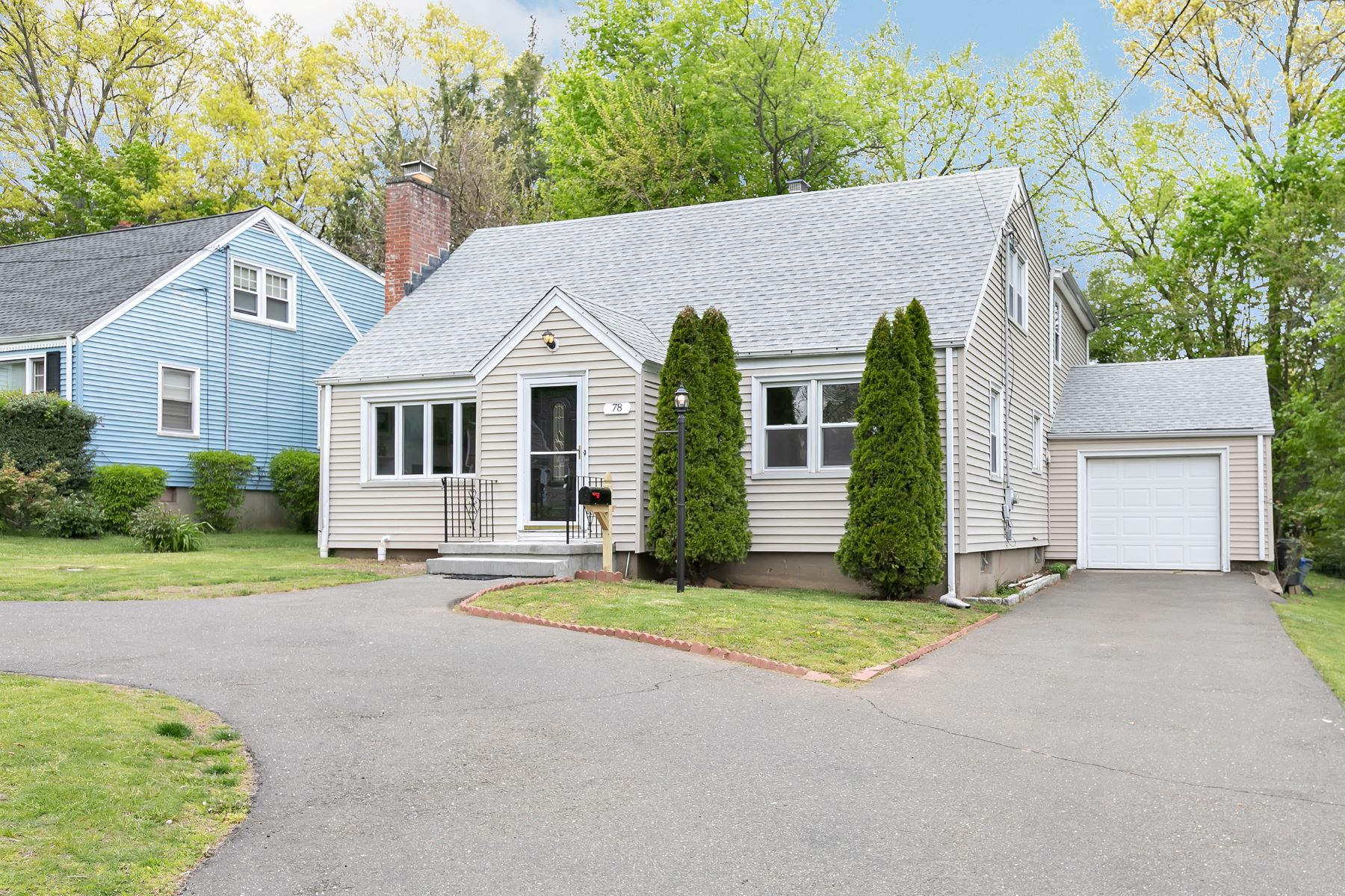 single family homes for Sale at 4 Bedroom Cape Cod Home 78 Anson Street, Stratford, Connecticut 06614 United States