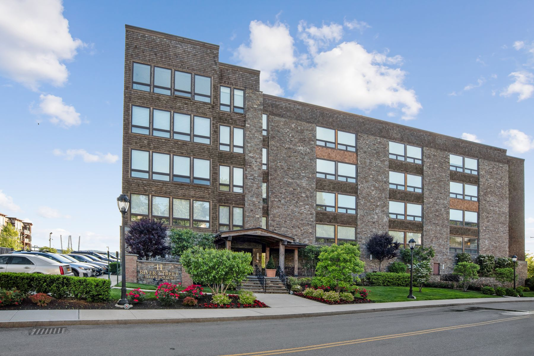 Condominiums for Sale at 11 River Street 403 Sleepy Hollow, New York 10591 United States