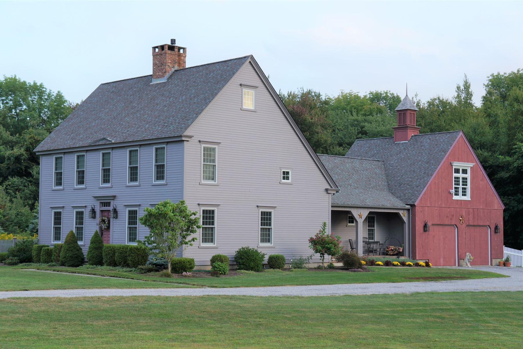 Single Family Homes voor Verkoop op Fabulous Reproduction Saltbox 26 North Gate Drive, Harwinton, Connecticut 06791 Verenigde Staten