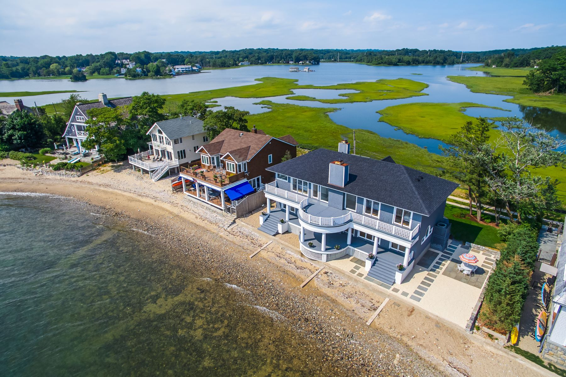 Single Family Homes للـ Sale في Seaside Sanctuary at Compo Beach 60 Compo Mill Cove, Westport, Connecticut 06880 United States