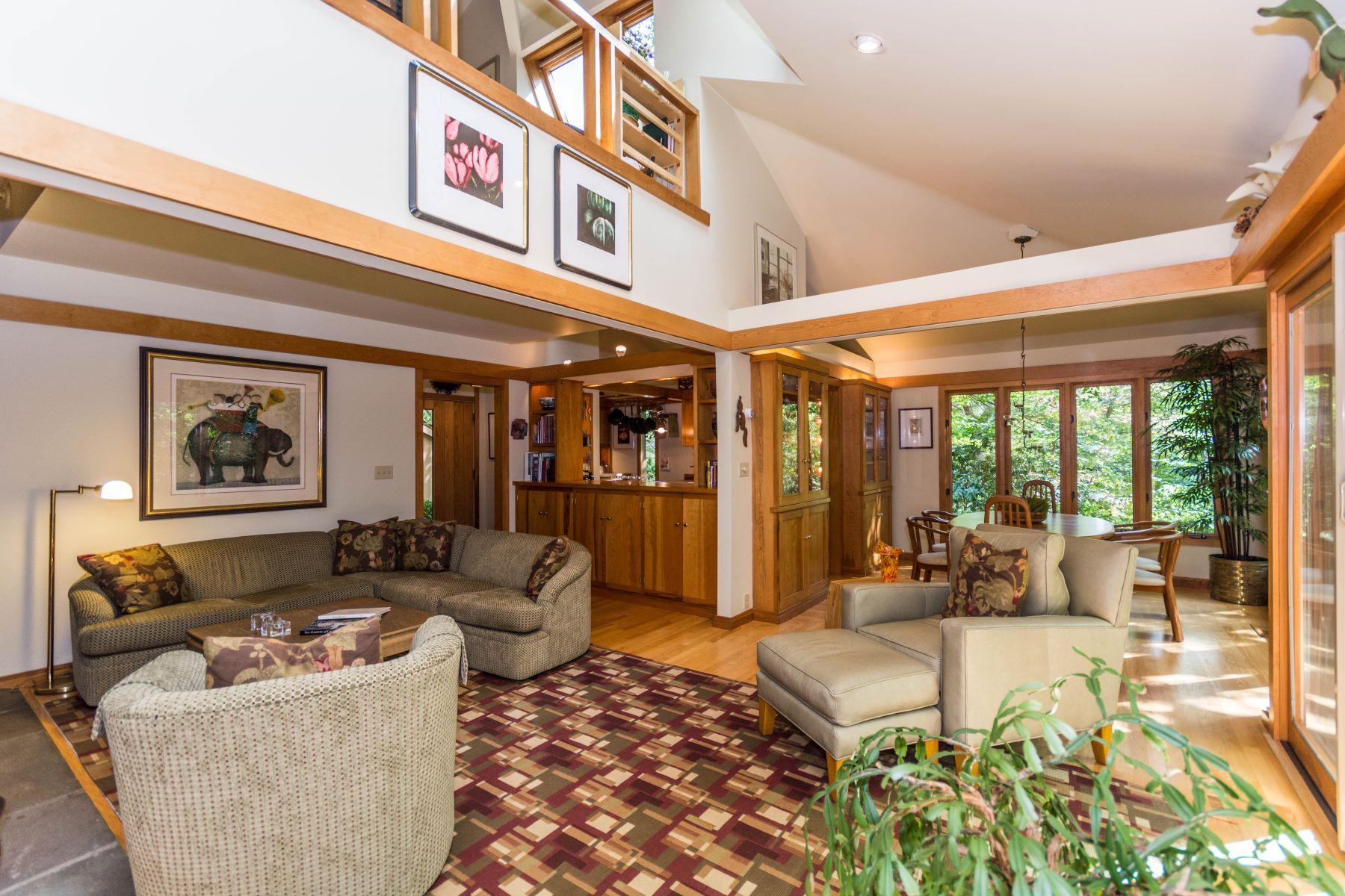 Einfamilienhaus für Verkauf beim Custom Contemporary 71 Nod Road Ridgefield, Connecticut, 06877 Vereinigte Staaten
