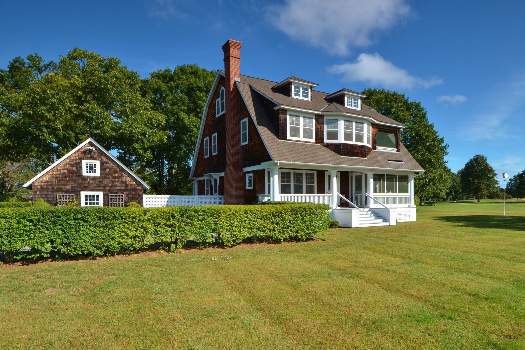 獨棟家庭住宅 為 出售 在 Fenwick Gem with Sparkling Long Island Sound Views 549 Maple Avenue, Old Saybrook, 康涅狄格州, 06475 美國