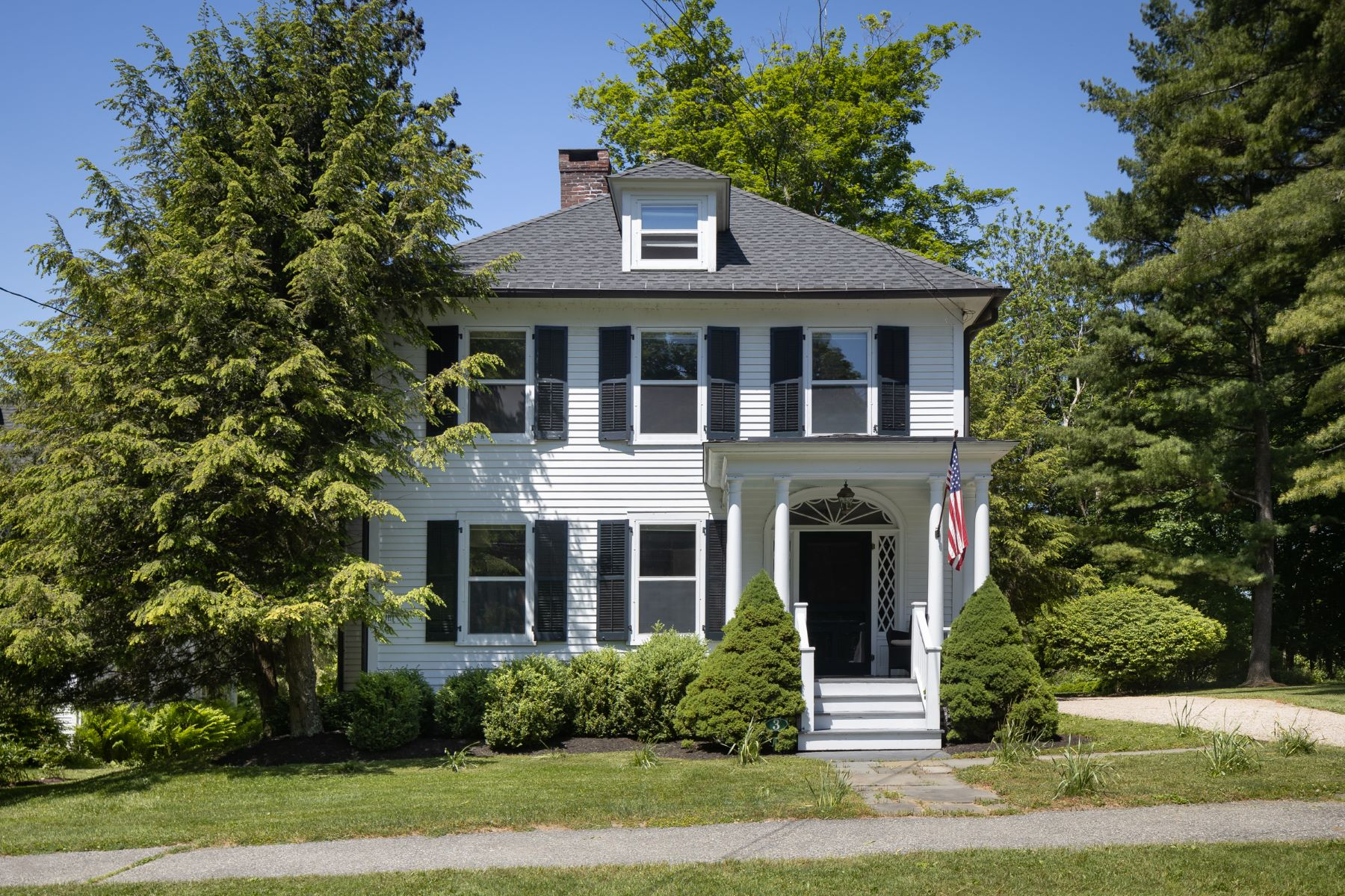 Single Family Homes للـ Sale في Grand Village Home 3 South Main St, Sharon, Connecticut 06069 United States