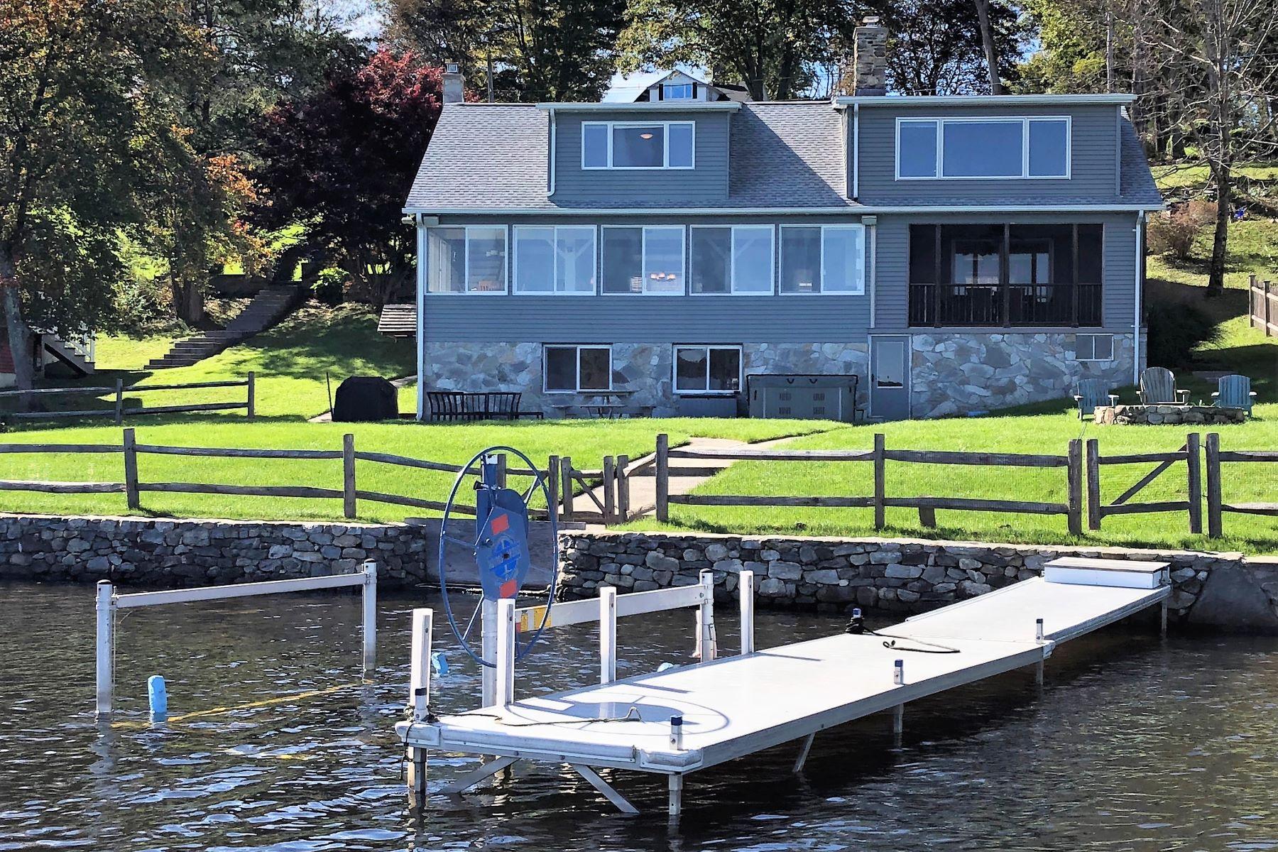 Eensgezinswoning voor Verkoop op Mint Tyler Lake Waterfront 25 Tyler Lake Heights Extension, Goshen, Connecticut 06756 Verenigde Staten