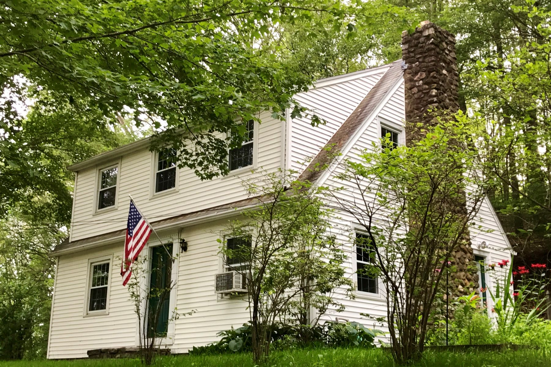 Single Family Home for Rent at 4 Quonnipaug Hill Road Guilford, Connecticut, 06437 United States