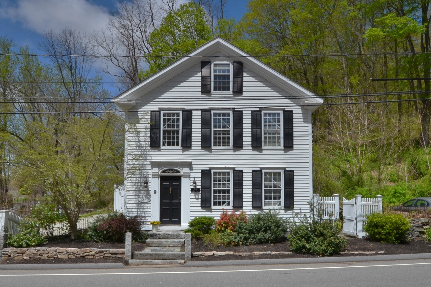 single family homes voor Verkoop op The Samuel Brooks 1820 Home in Hadlym 159 Ferry Road, Lyme, Connecticut 06371 Verenigde Staten