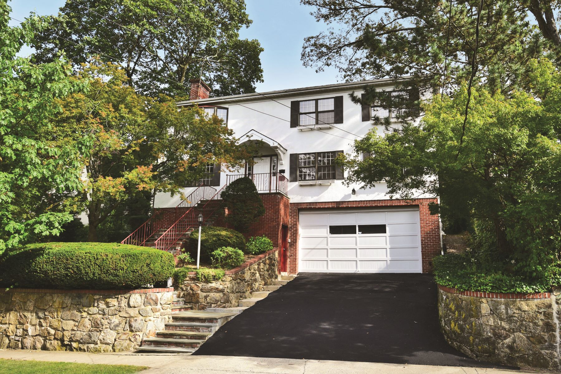 Single Family Home for Rent at 27 Concord Avenue 27 Concord Avenue Larchmont, New York 10538 United States