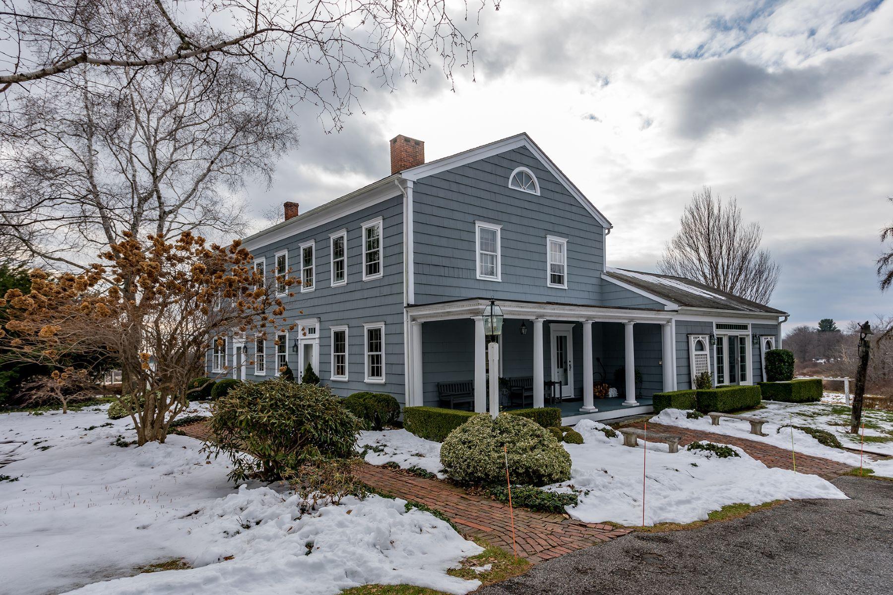 独户住宅 为 销售 在 Authentic circa 1760 Colonial Home 499 Maple Street 利奇菲尔德, 康涅狄格州 06759 美国