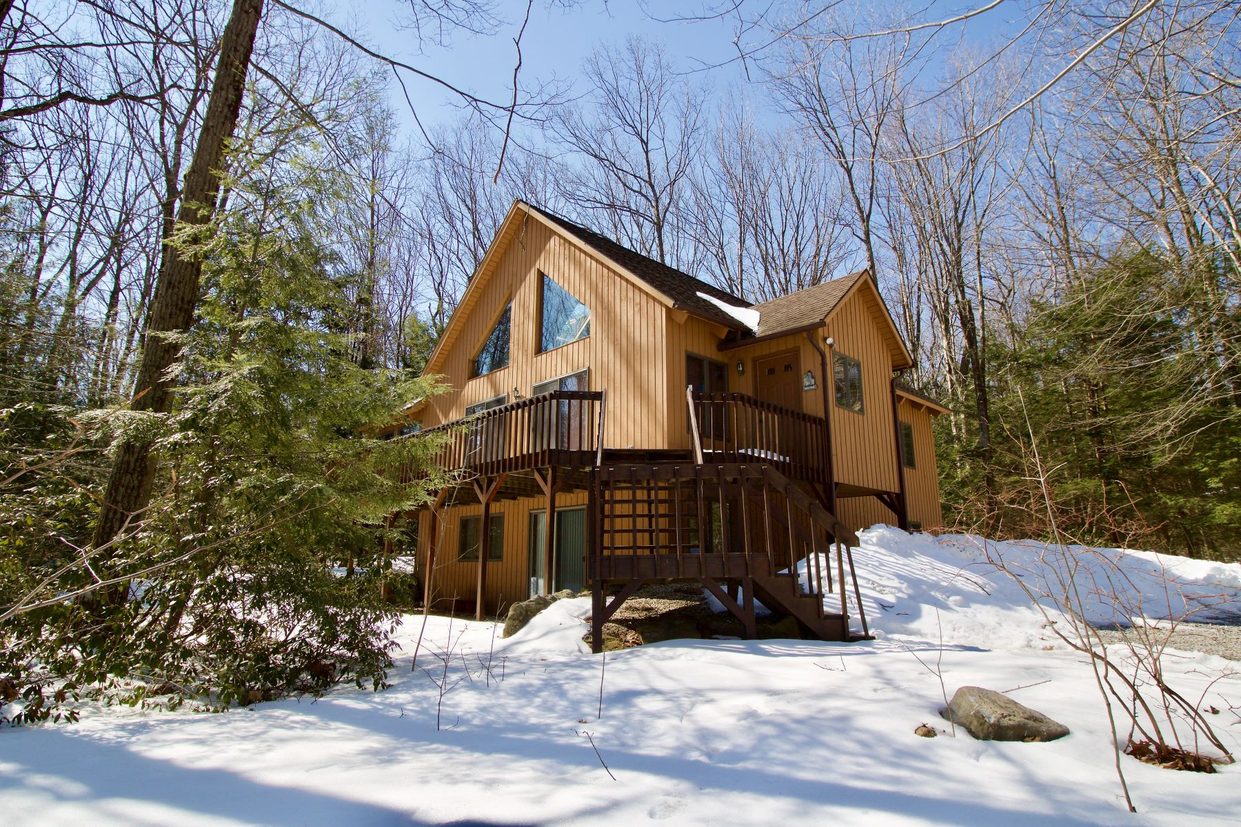 Single Family Home for Active at Your Perfect Family Getaway is Here! Beautifully Maintained Owl Country Home in 308 Shadow Ln Sandisfield, Massachusetts 01255 United States