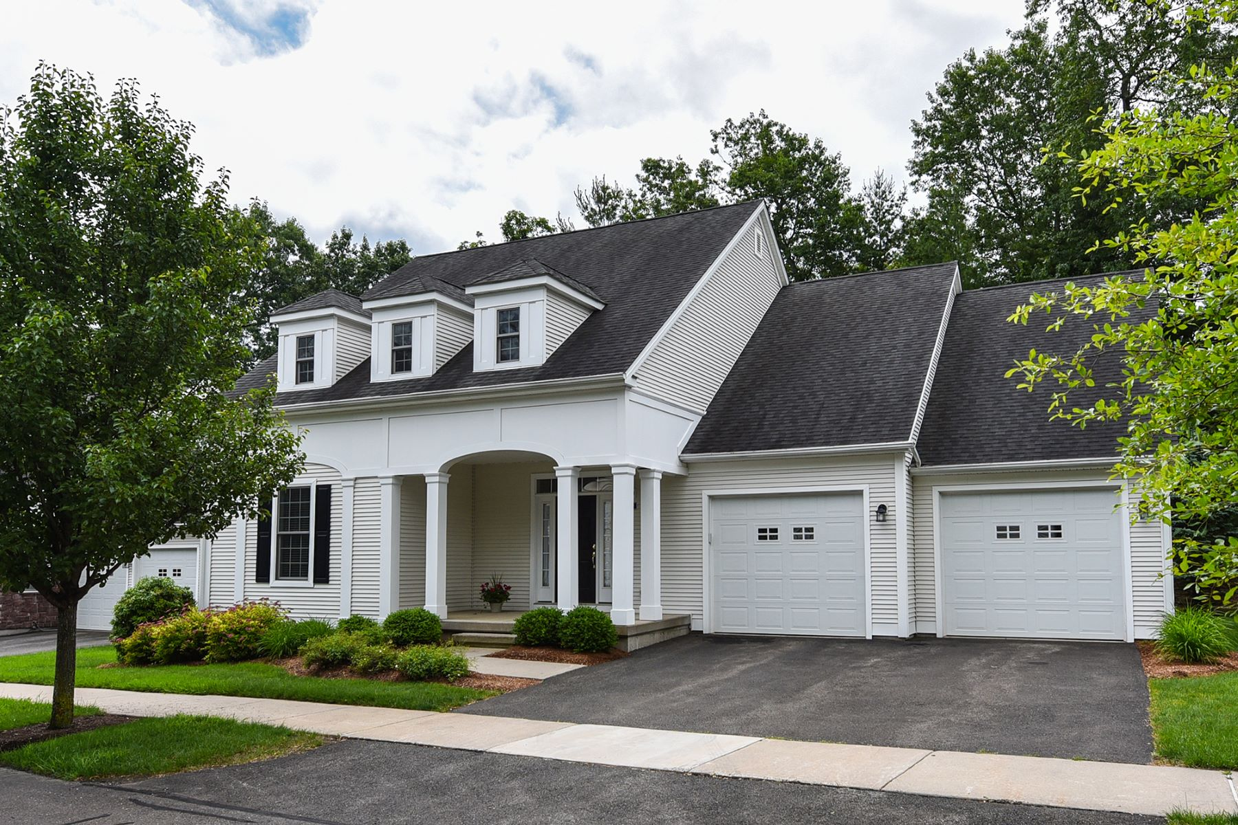 Single Family Homes voor Verkoop op 39 Ashton Circle 39, Simsbury, Connecticut 06070 Verenigde Staten