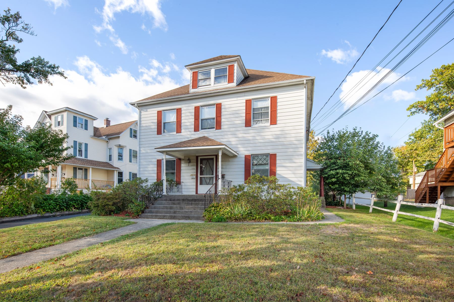 Multi-Family Homes 為 出售 在 Great Opportunity 55 Franklin St, Danbury, 康涅狄格州 06810 美國