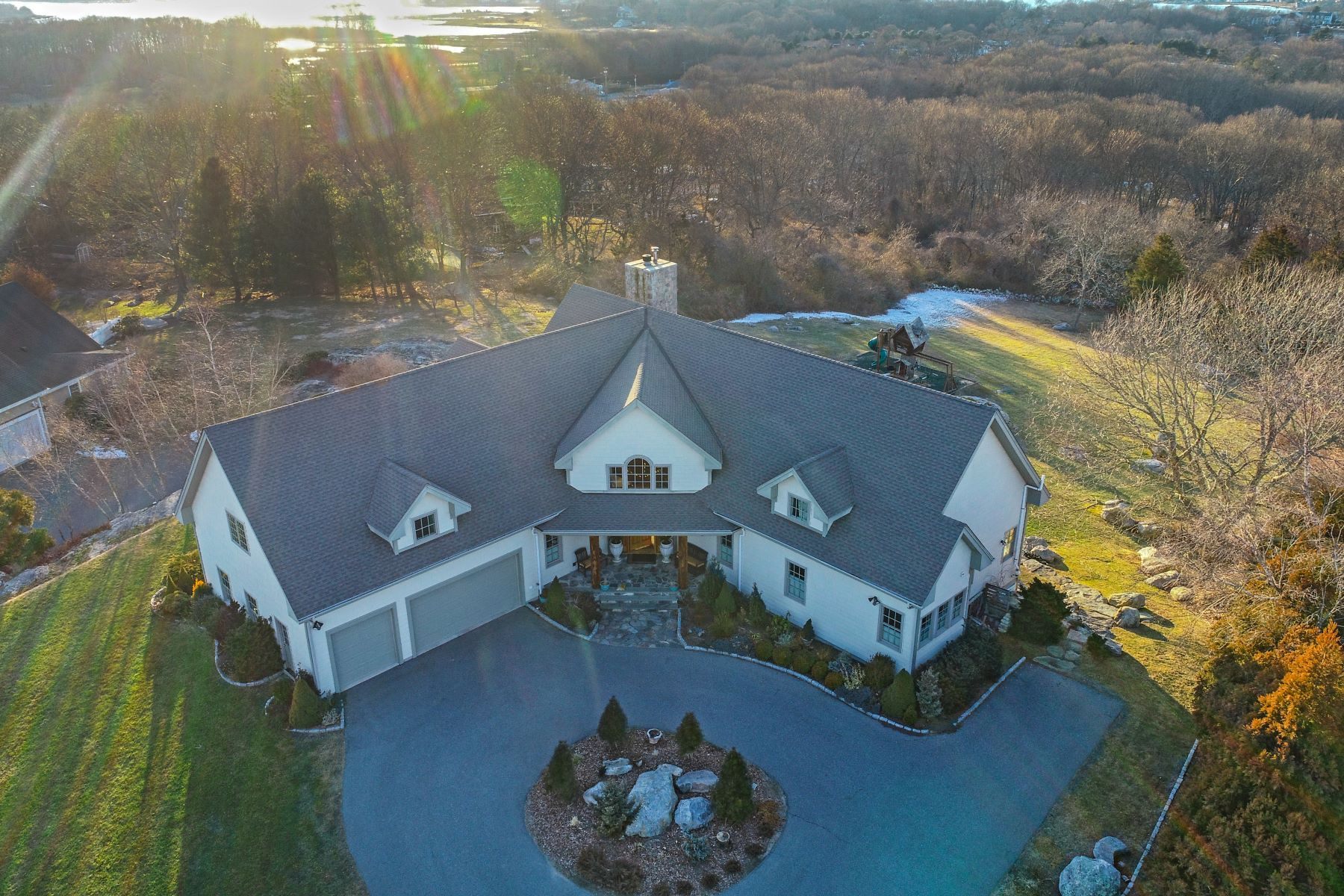 Single Family Homes para Venda às Custom Built Post & Beam with Amazing Views! 23 Lambs Way, Stonington, Connecticut 06378 Estados Unidos