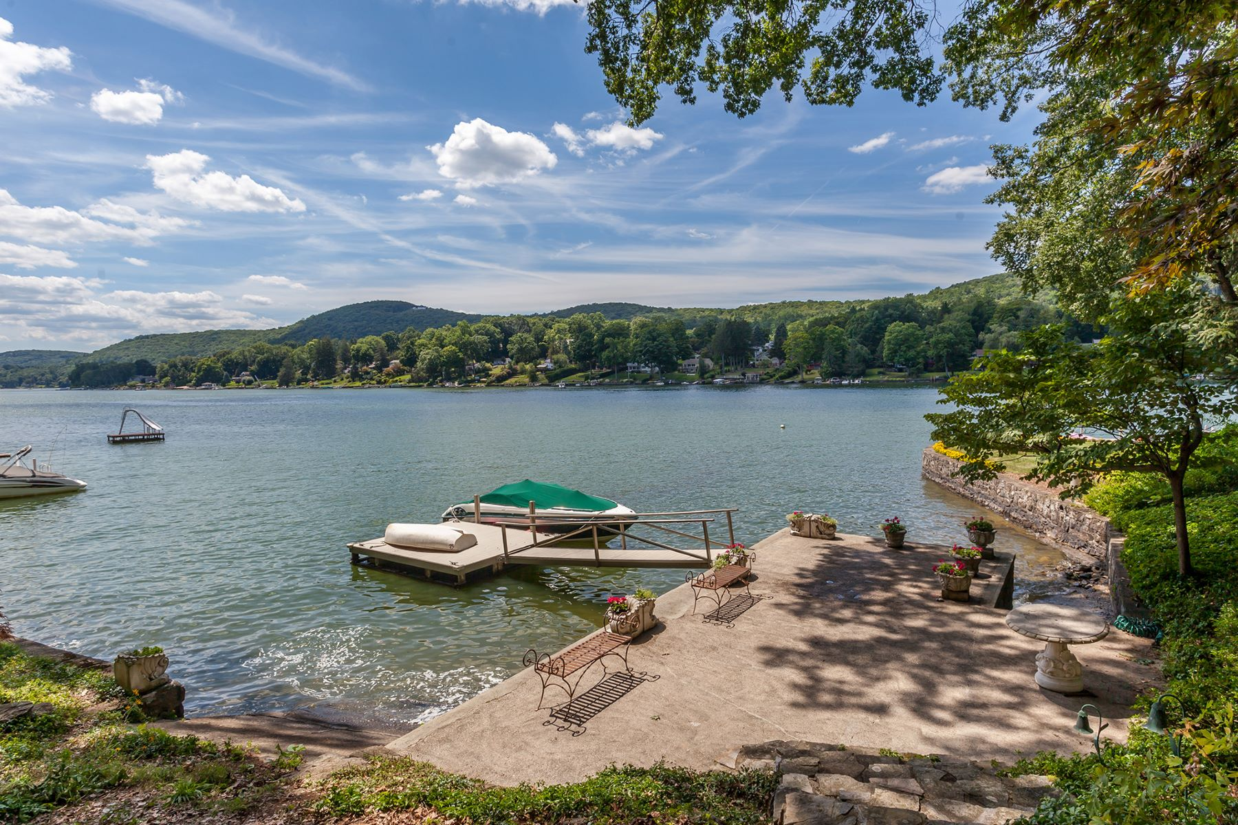 Single Family Home for Sale at Candlewood Lake Waterfront 42 Bogus Hill New Fairfield, Connecticut, 06812 United States