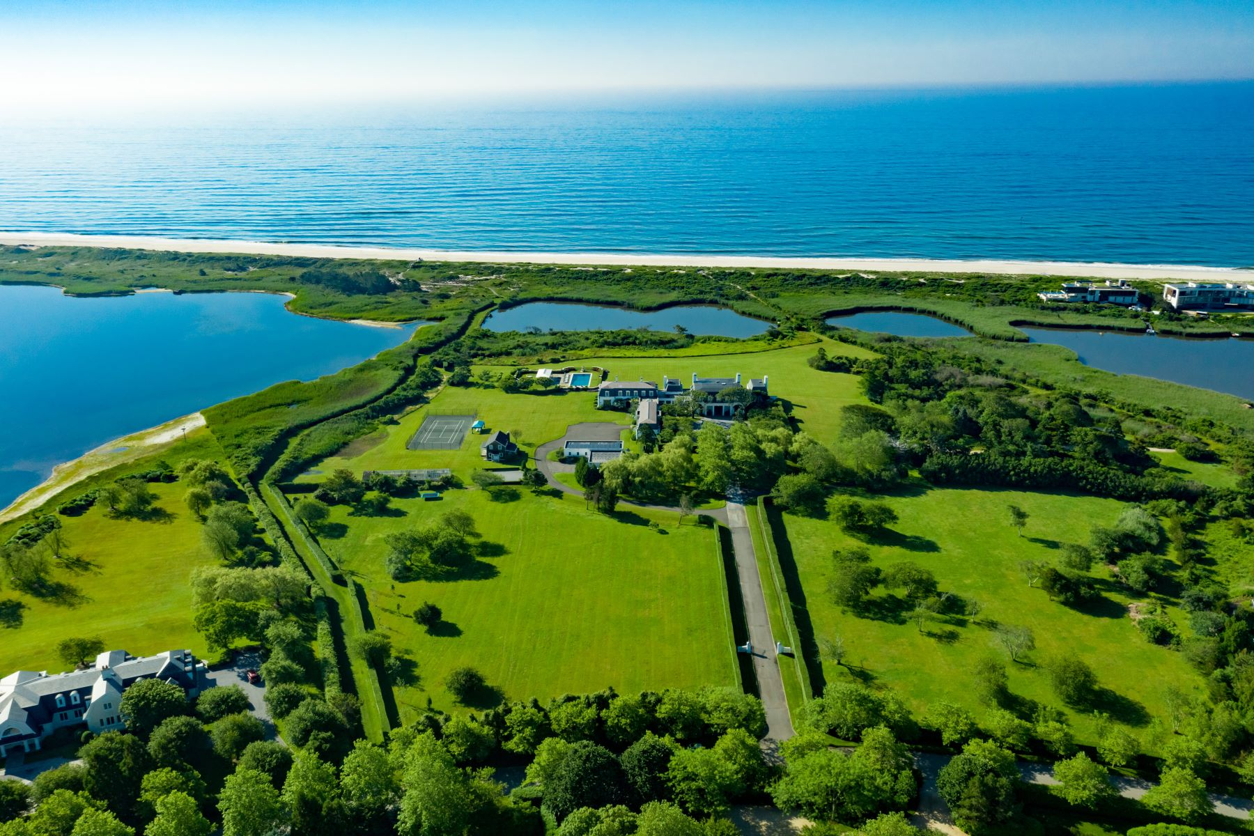 Property للـ Sale في Oceanfront Southampton Estate 90 Jule Pond Drive, Southampton, New York 11968 United States