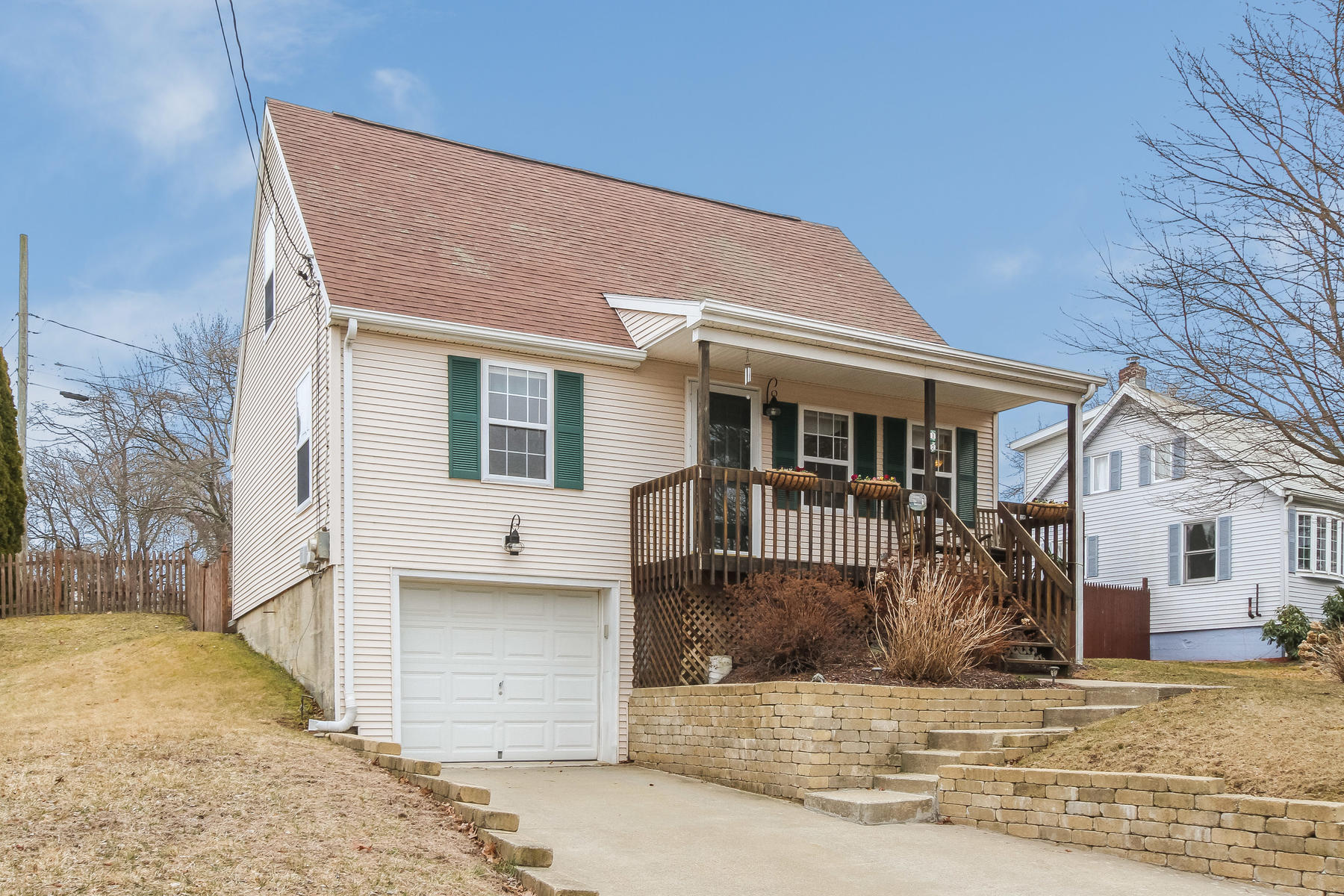 single family homes for Sale at Minutes to Niantic Village 12 Millstone Road West, Waterford, Connecticut 06385 United States