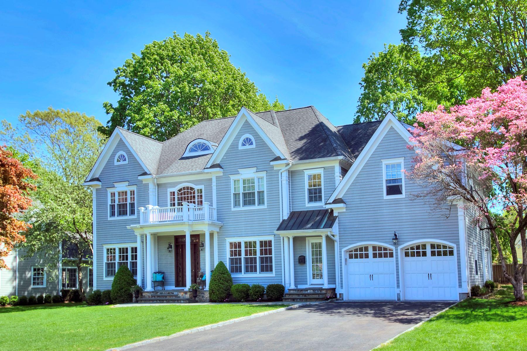 Single Family Homes per Vendita alle ore 120 Orchard Drive New Canaan, Connecticut 06840 Stati Uniti
