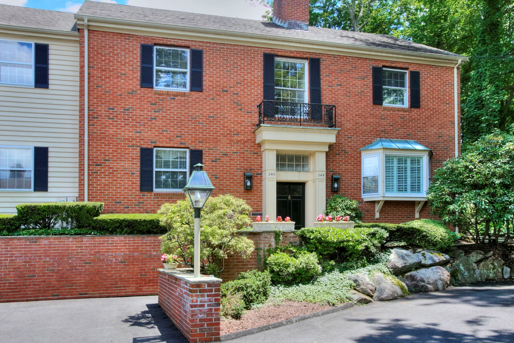 Condominium for Sale at 246 Park Street 246 Park Street 246 New Canaan, Connecticut 06840 United States