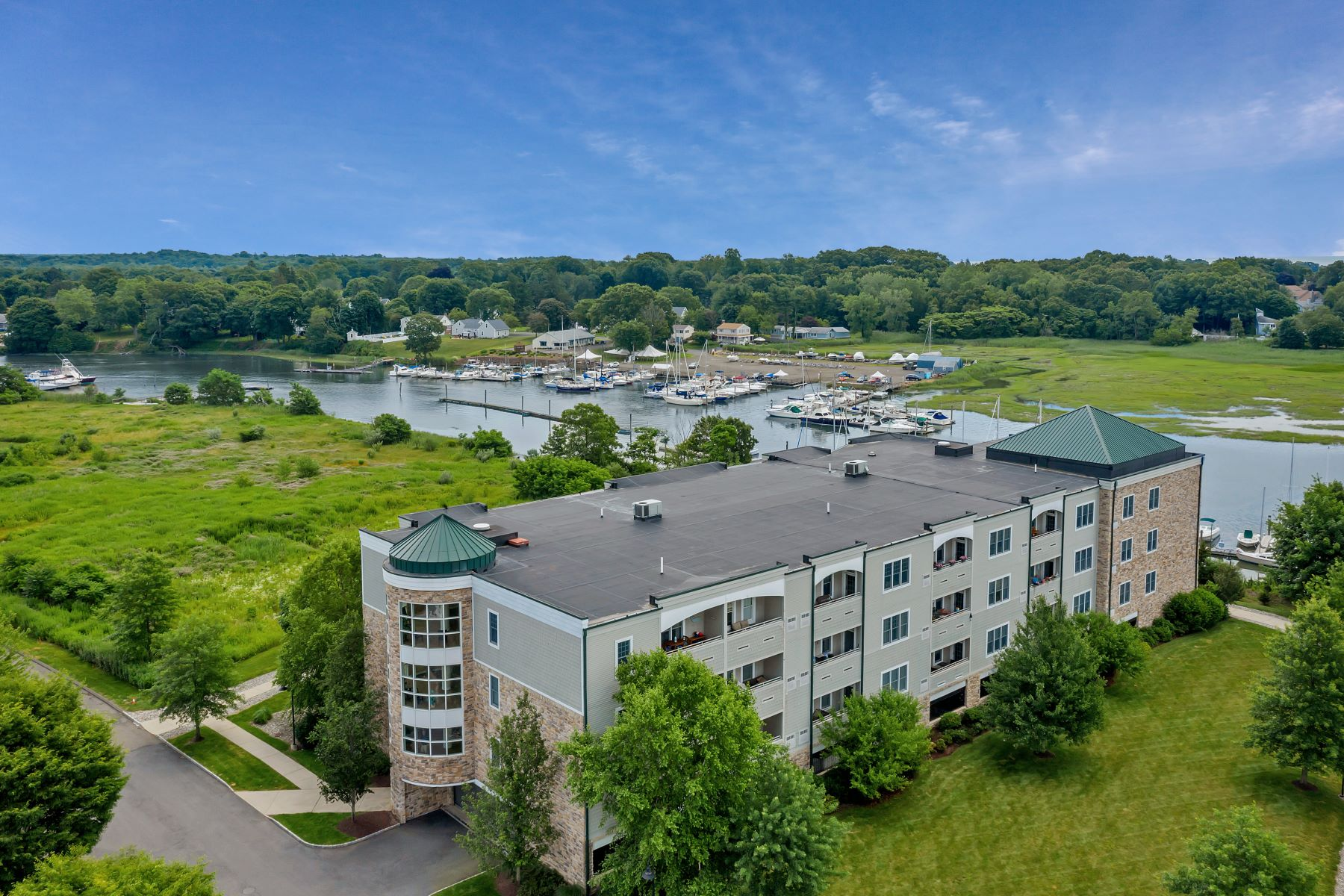 Condominiums for Sale at 60 Maple Street 32 Branford, Connecticut 06405 United States