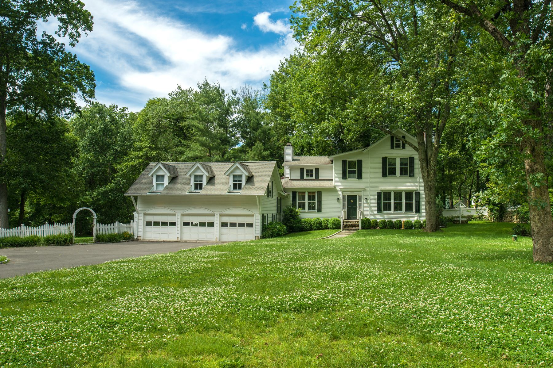 Single Family Homes for Active at 267 Brookside Road Darien, Connecticut 06820 United States