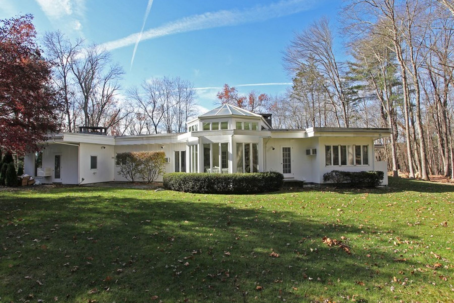 Single Family Home for Rent at Sleek Mid-Century Modern 116 Wellers Bridge Road Roxbury, Connecticut 06783 United States