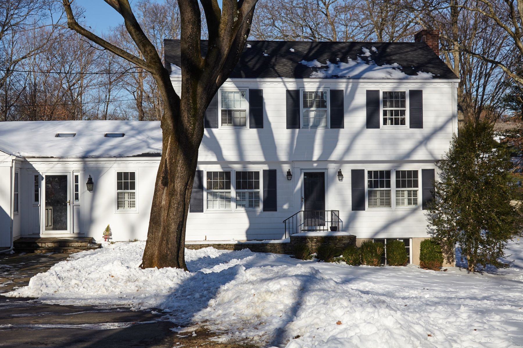 Single Family Home for Rent at Convenient To Everything! 24 Ferry Lane East, Westport, Connecticut, 06880 United States