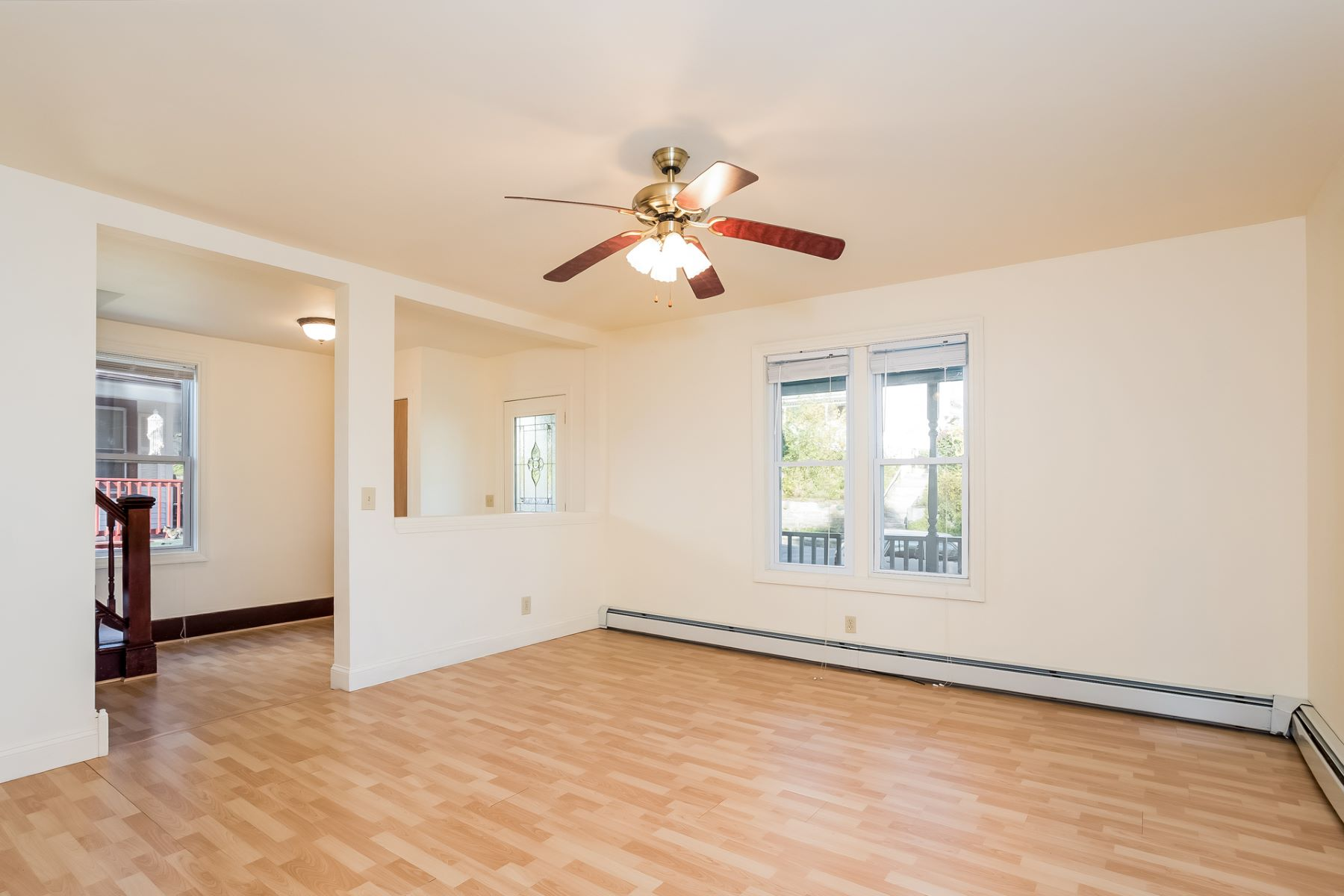 Additional photo for property listing at Spacious and Updated Colonial 232 Crystal Avenue New London, Connecticut 06320 United States