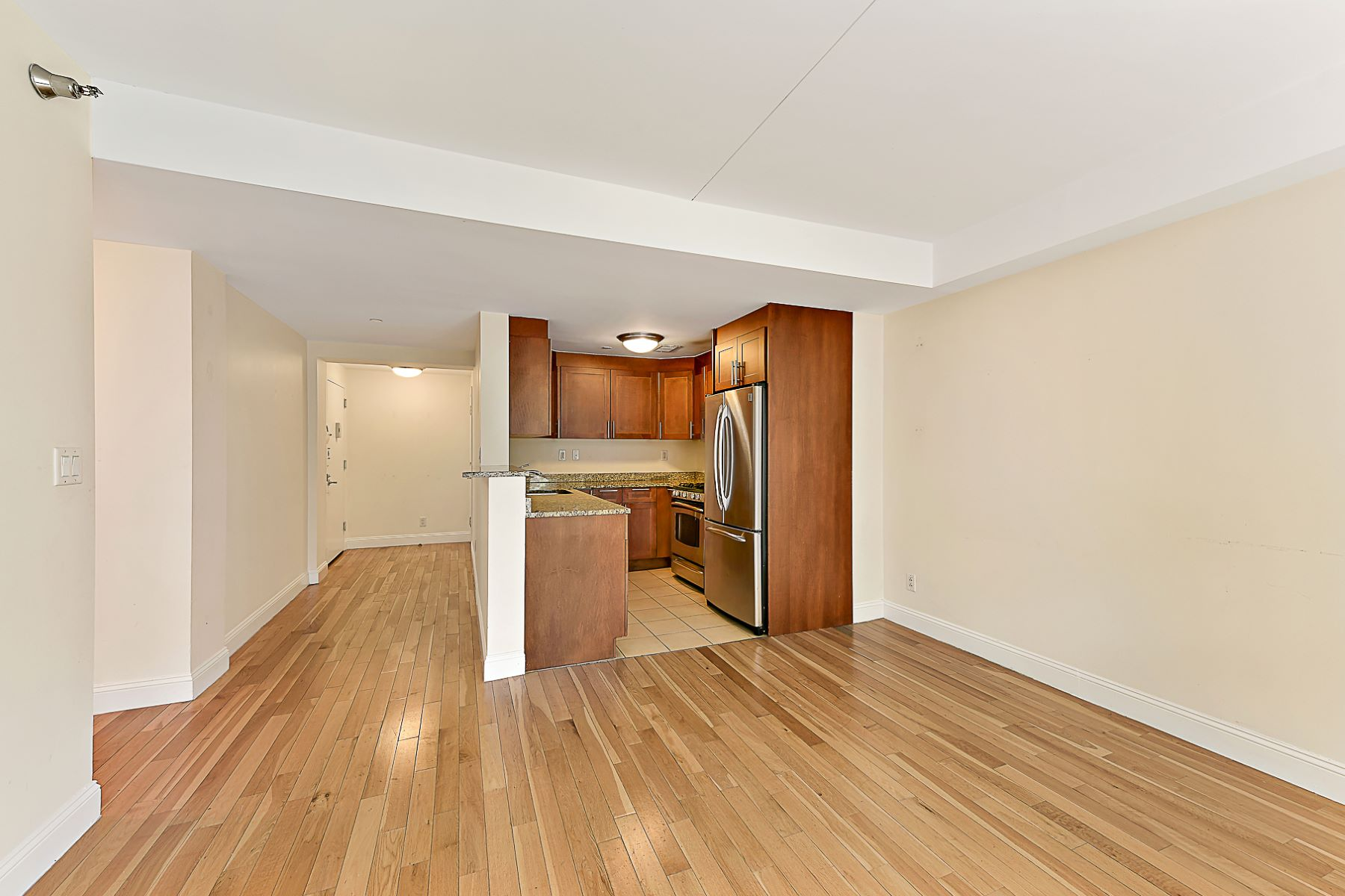 Condominiums for Sale at 3536 Cambridge Avenue 3C Riverdale, New York 10463 United States