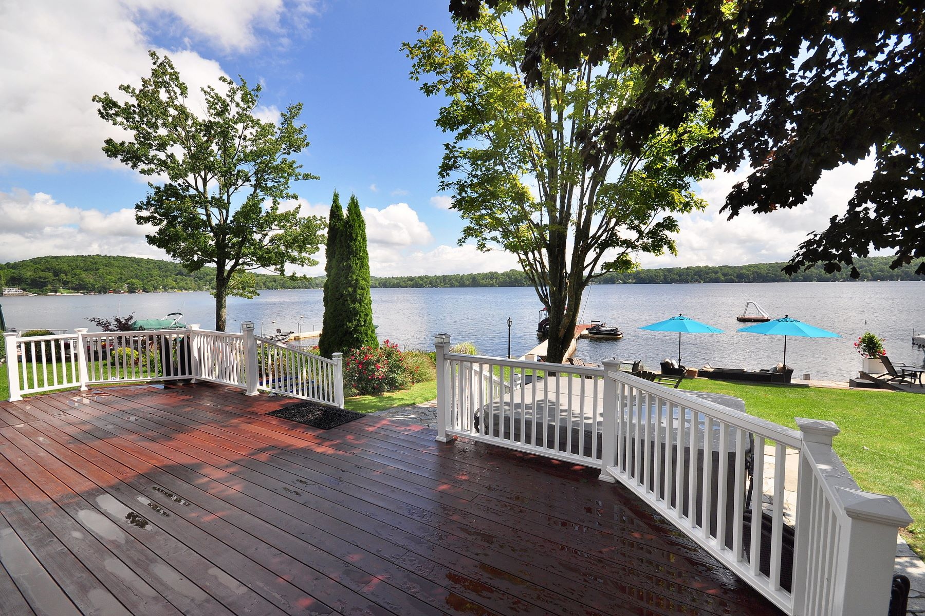 Single Family Homes for Sale at Bantam Lake Direct Waterfront 28 Brunetto Grove Morris, Connecticut 06763 United States