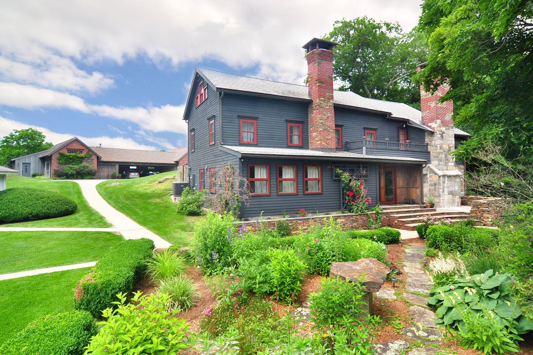 Eensgezinswoning voor Verkoop op Historic Landmark Colonial 44 Lakeside Road, Morris, Connecticut 06763 Verenigde Staten