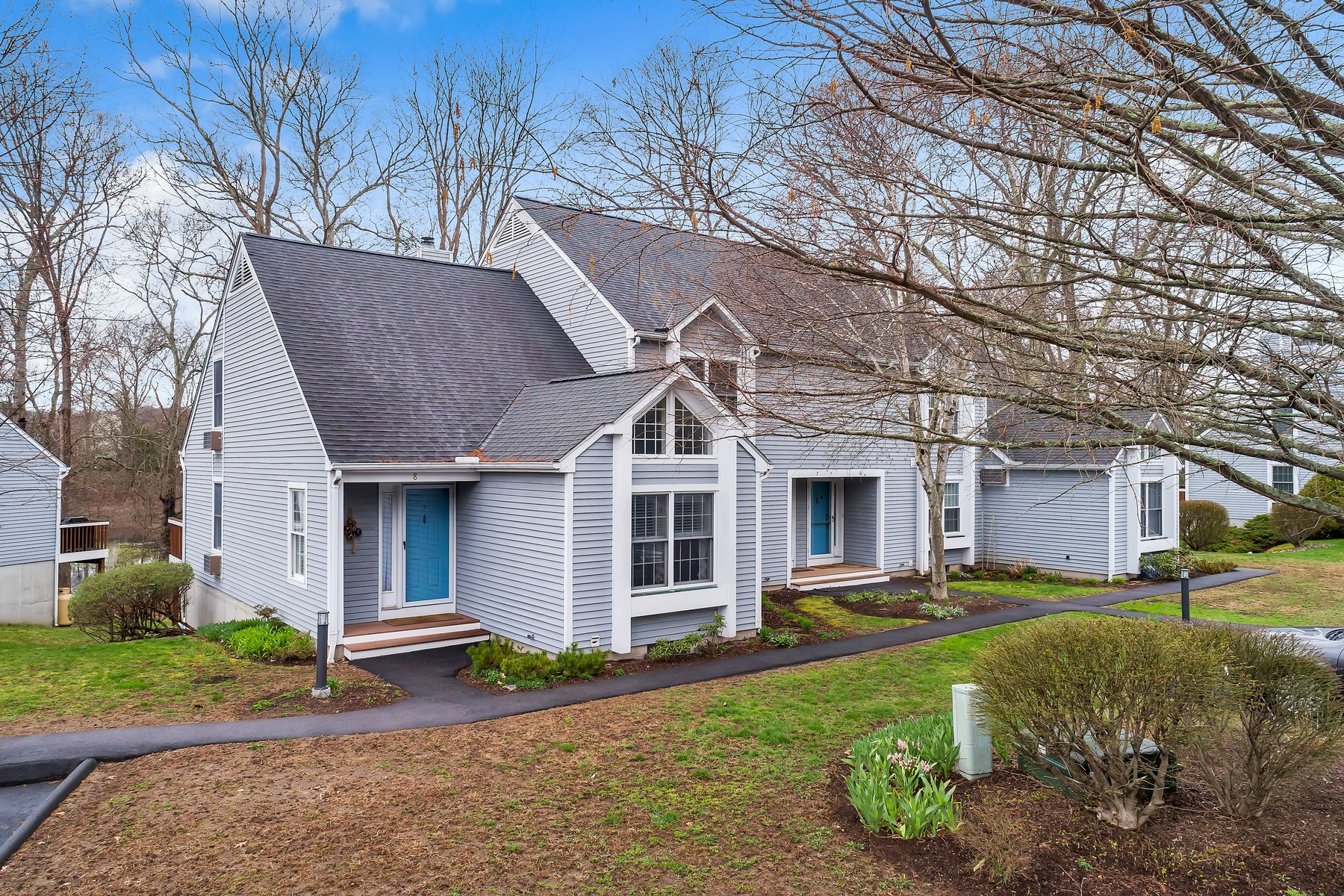 for Sale at Fabulous, Bright and Sunny End Unit 8 Whitehall Pond 8 Stonington, Connecticut 06355 United States