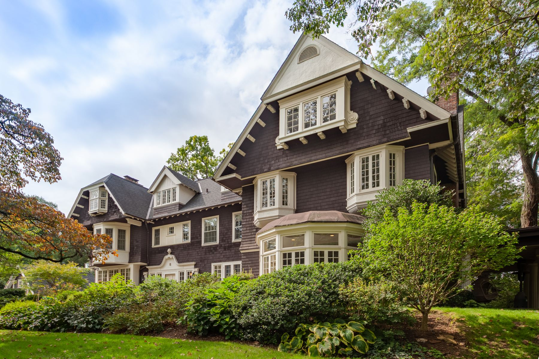 Single Family Homes for Active at Welcome To 8 Woodland Avenue 8 Woodland Avenue Bronxville, New York 10708 United States