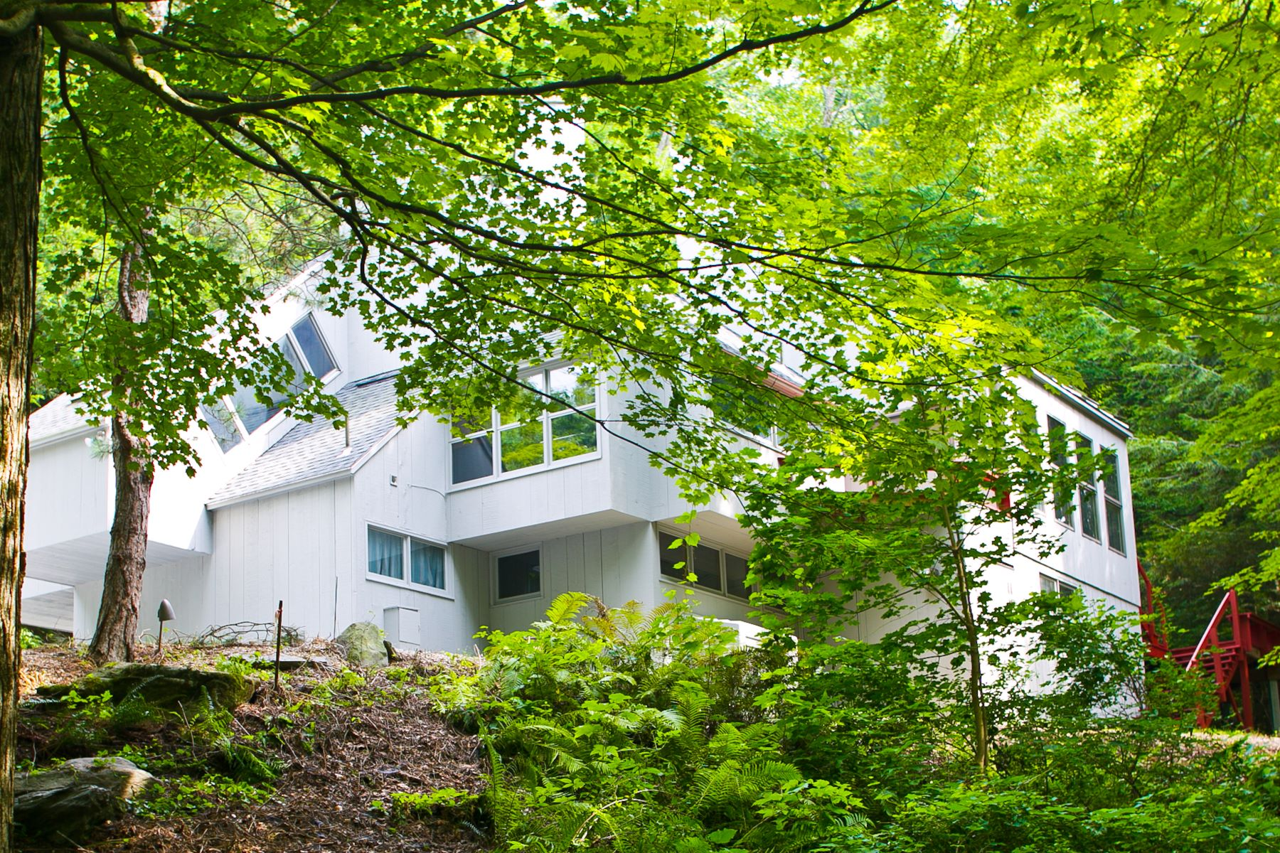 Single Family Home for Active at A Striking Modern Home Minutes From Tanglewood and Kripalu 1339 Lenox Rd Richmond, Massachusetts 01254 United States