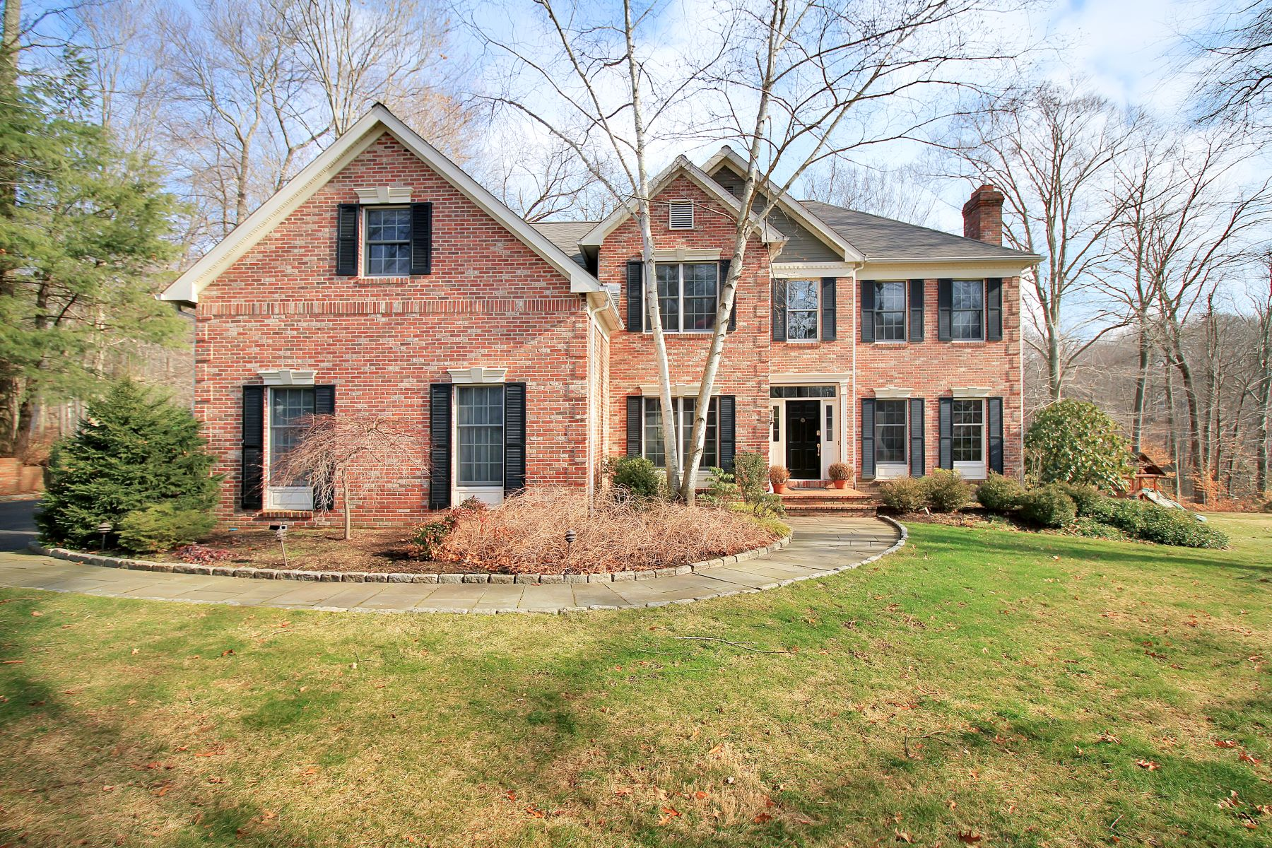 Single Family Home for Sale at Southport Chase Colonial 864 Flintlock Road Southport, Fairfield, Connecticut, 06890 United States