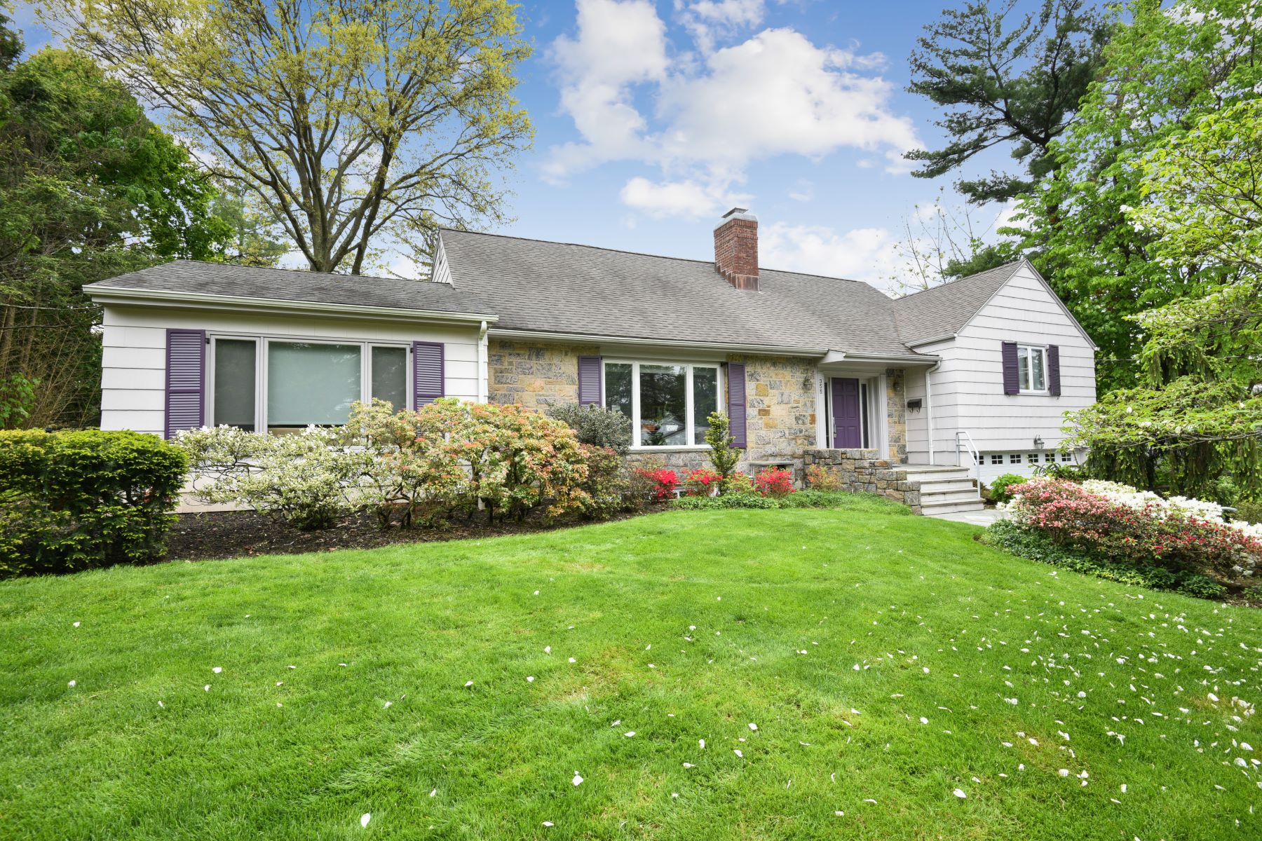 Single Family Homes 為 出售 在 Mamaroneck, 纽约 10543 美國