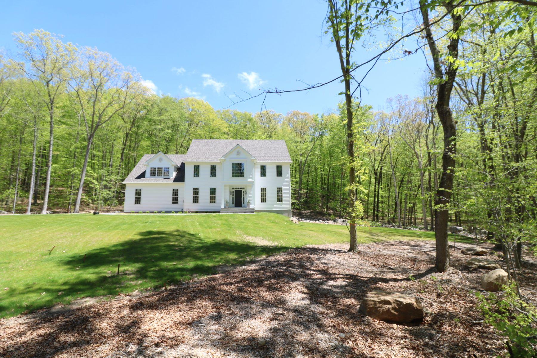 Частный односемейный дом для того Продажа на Beyond The Standard of Excellence! 115 Honeysuckle Hill Lane Easton, Коннектикут 06612 Соединенные Штаты