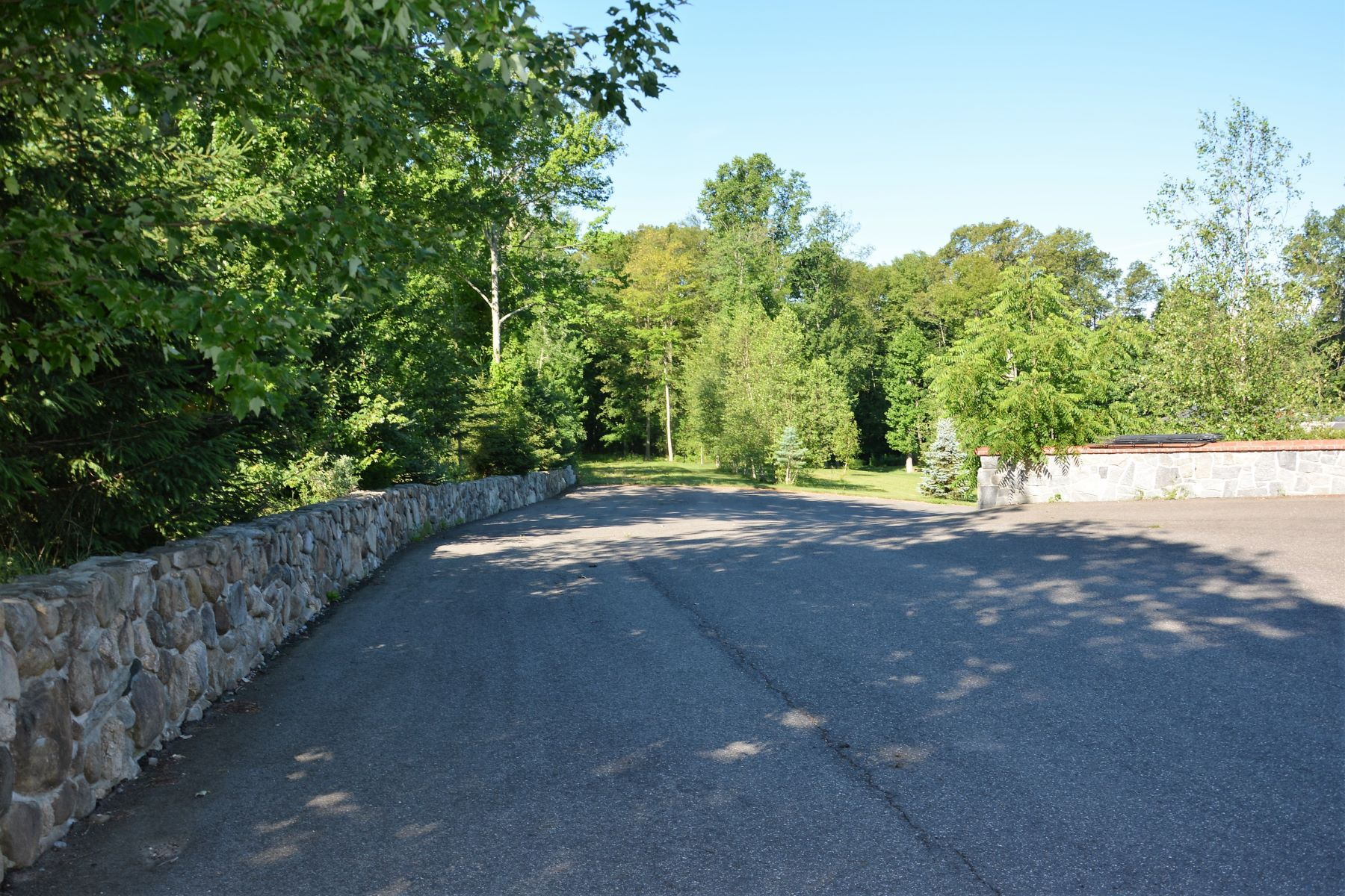 Land for Sale at Haddam, Connecticut 06441 United States