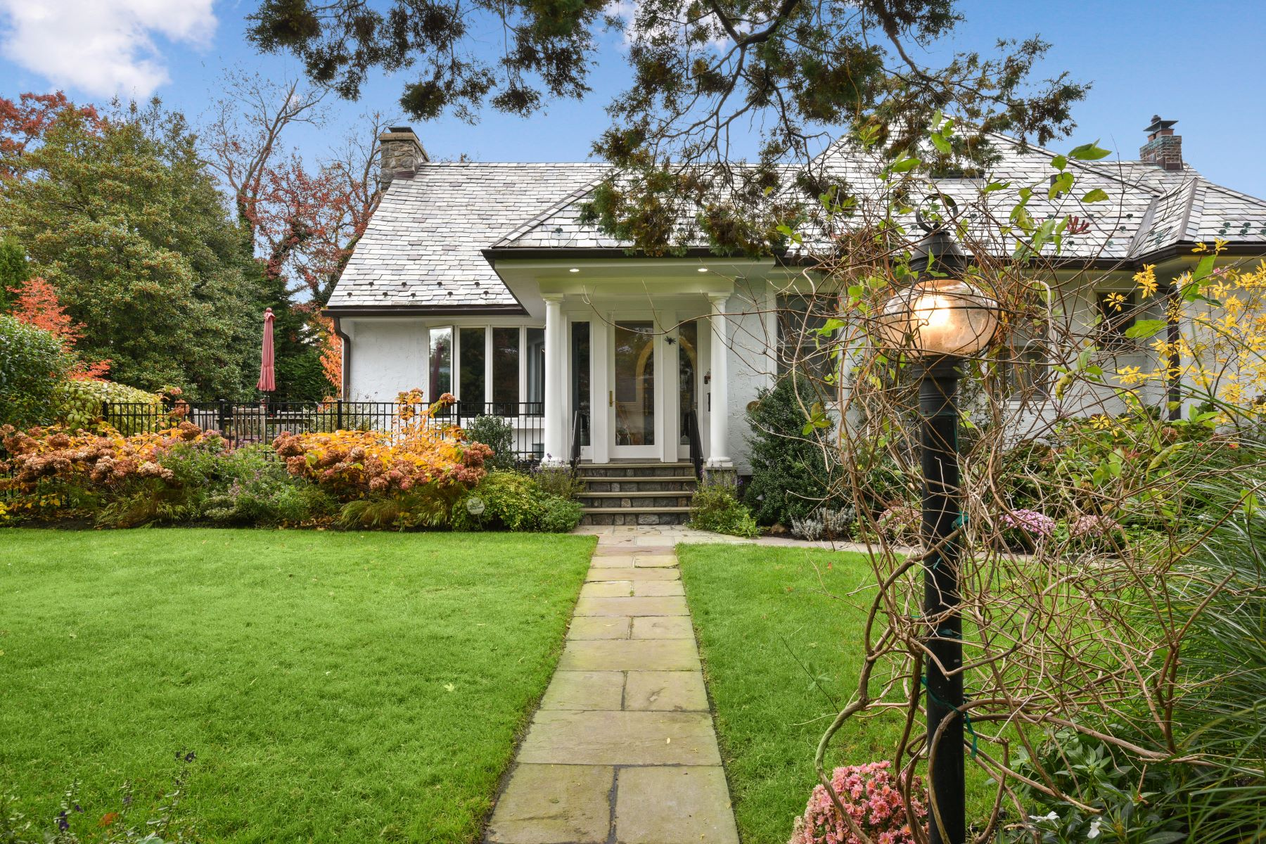 Single Family Homes for Sale at 28 Linden Avenue Larchmont, New York 10538 United States