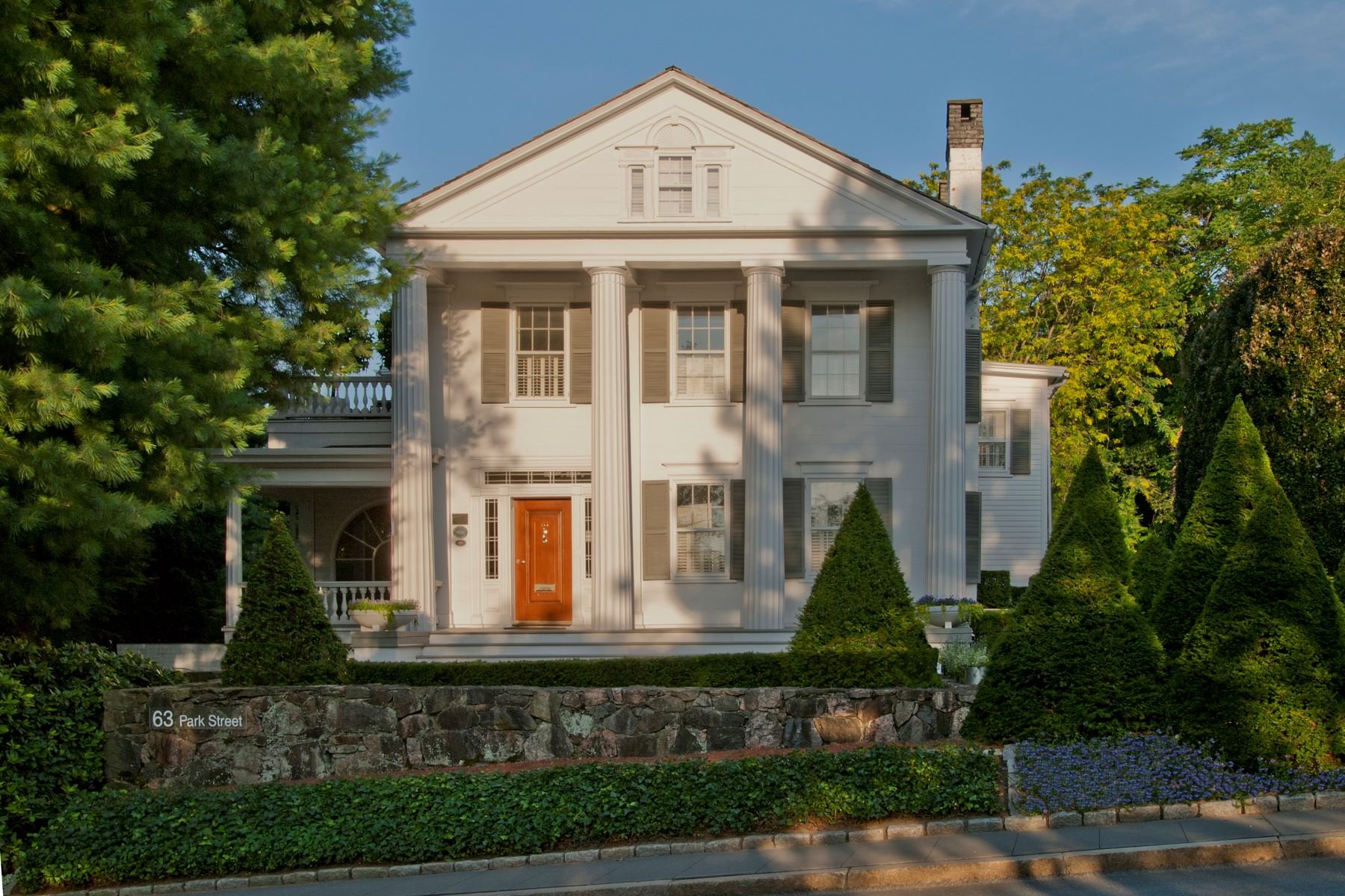 واحد منزل الأسرة للـ Sale في Landmark Home of Maxwell E. Perkins 63 Park Street, New Canaan, Connecticut, 06840 United States