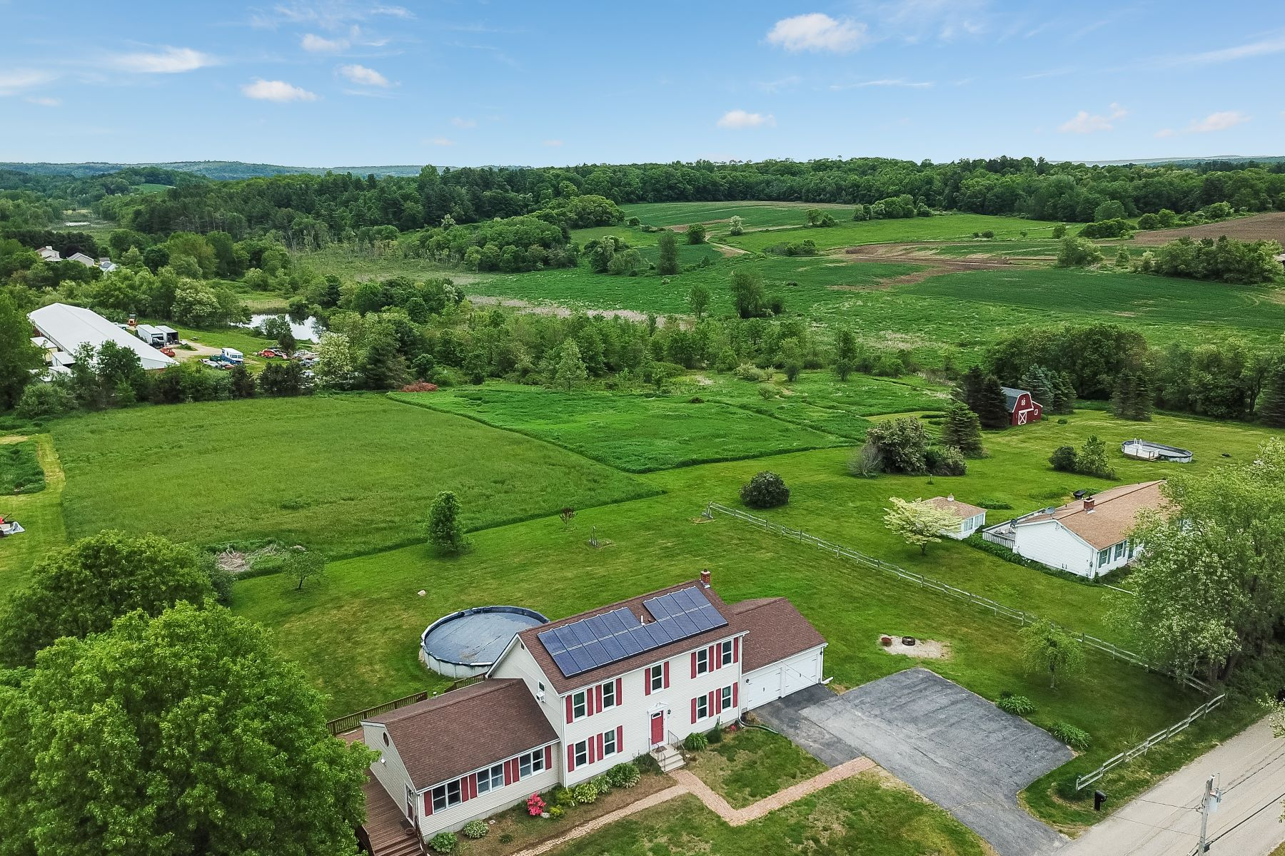 single family homes for Sale at Woodstock, Connecticut 06281 United States