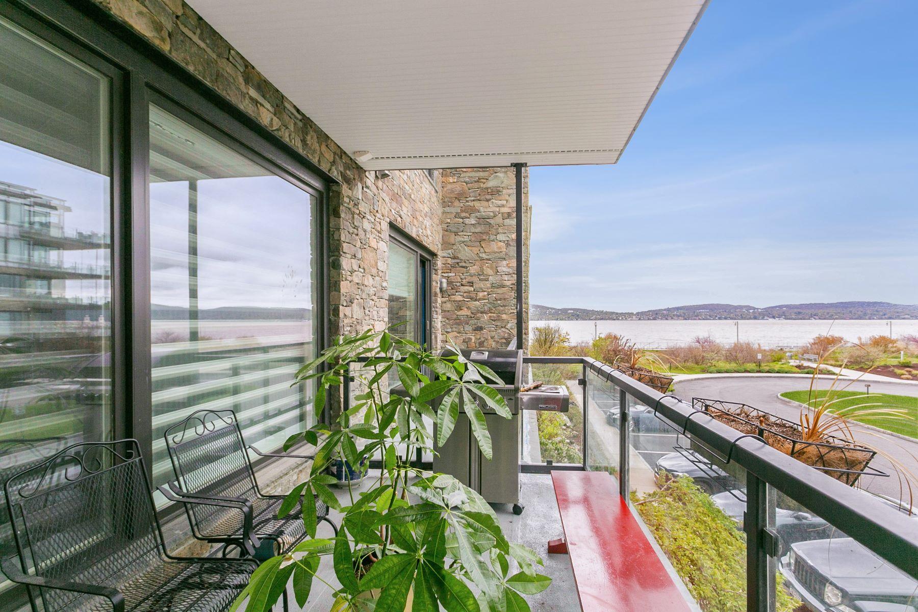 Condominiums 為 出售 在 Majestic Hudson River Views 16 Rivers Edge Drive, 205, Tarrytown, 纽约 10591 美國