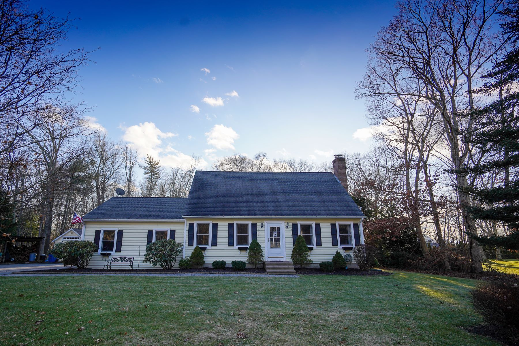 Single Family Homes for Sale at Calm in Colchester 47 Oak Leaf Drive Colchester, Connecticut 06415 United States